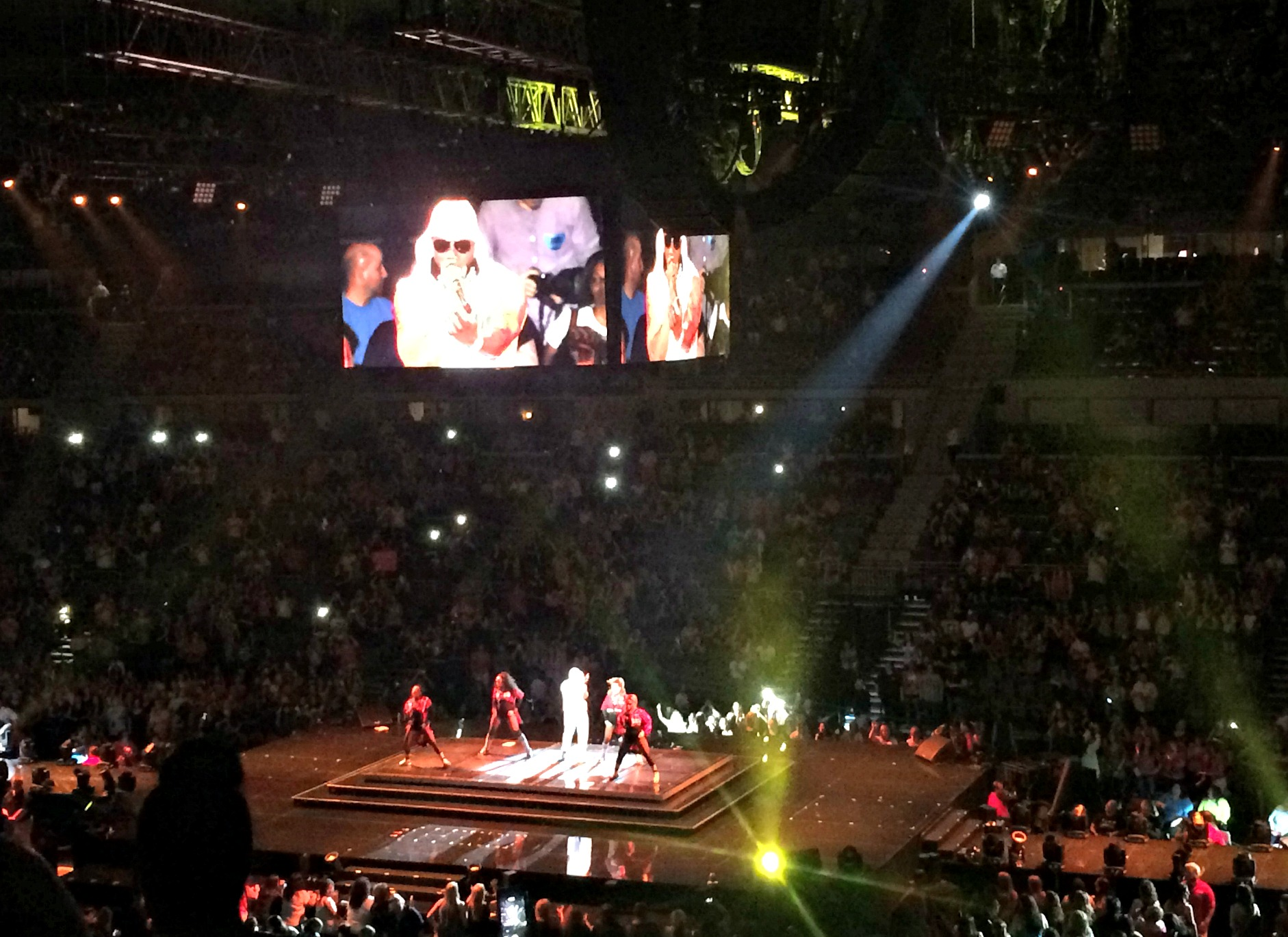 nelly opening for nkotb