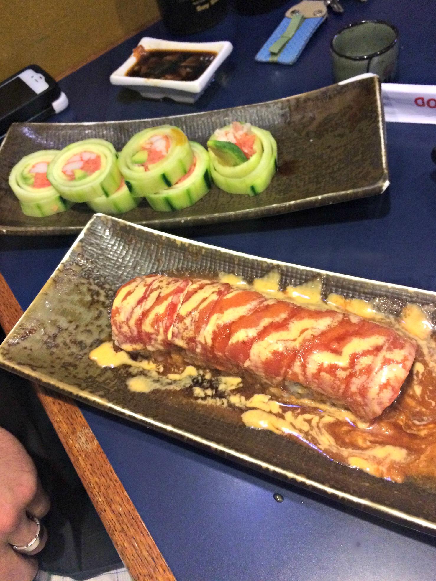 sumo sushi rolls