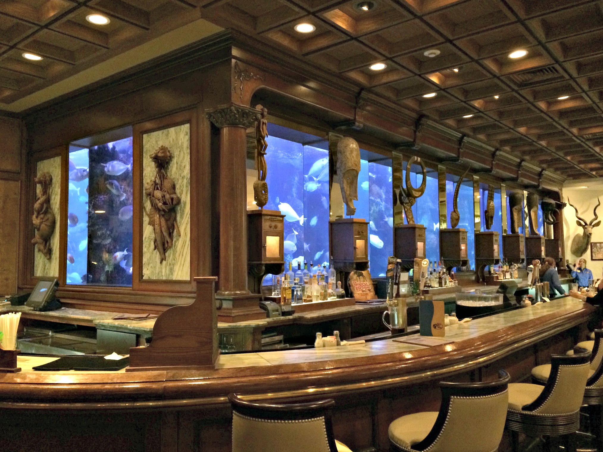 Bass Pro Shops Hemingways Aquarium Bar