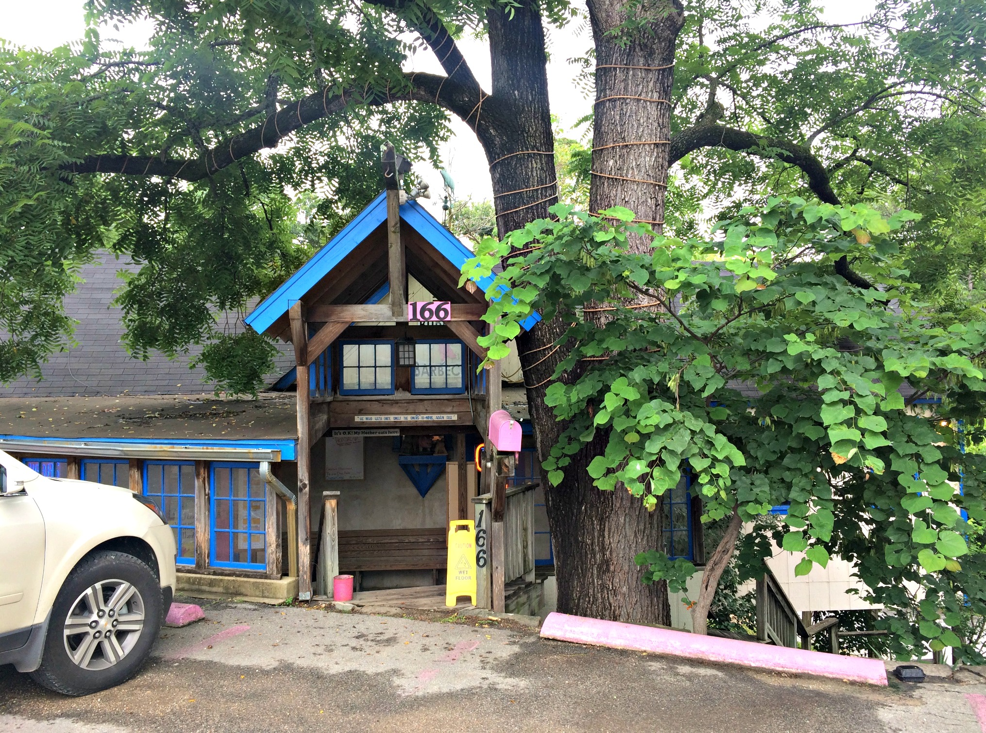 Bubba's Southern Pit Barbecue - Eureka Springs 2