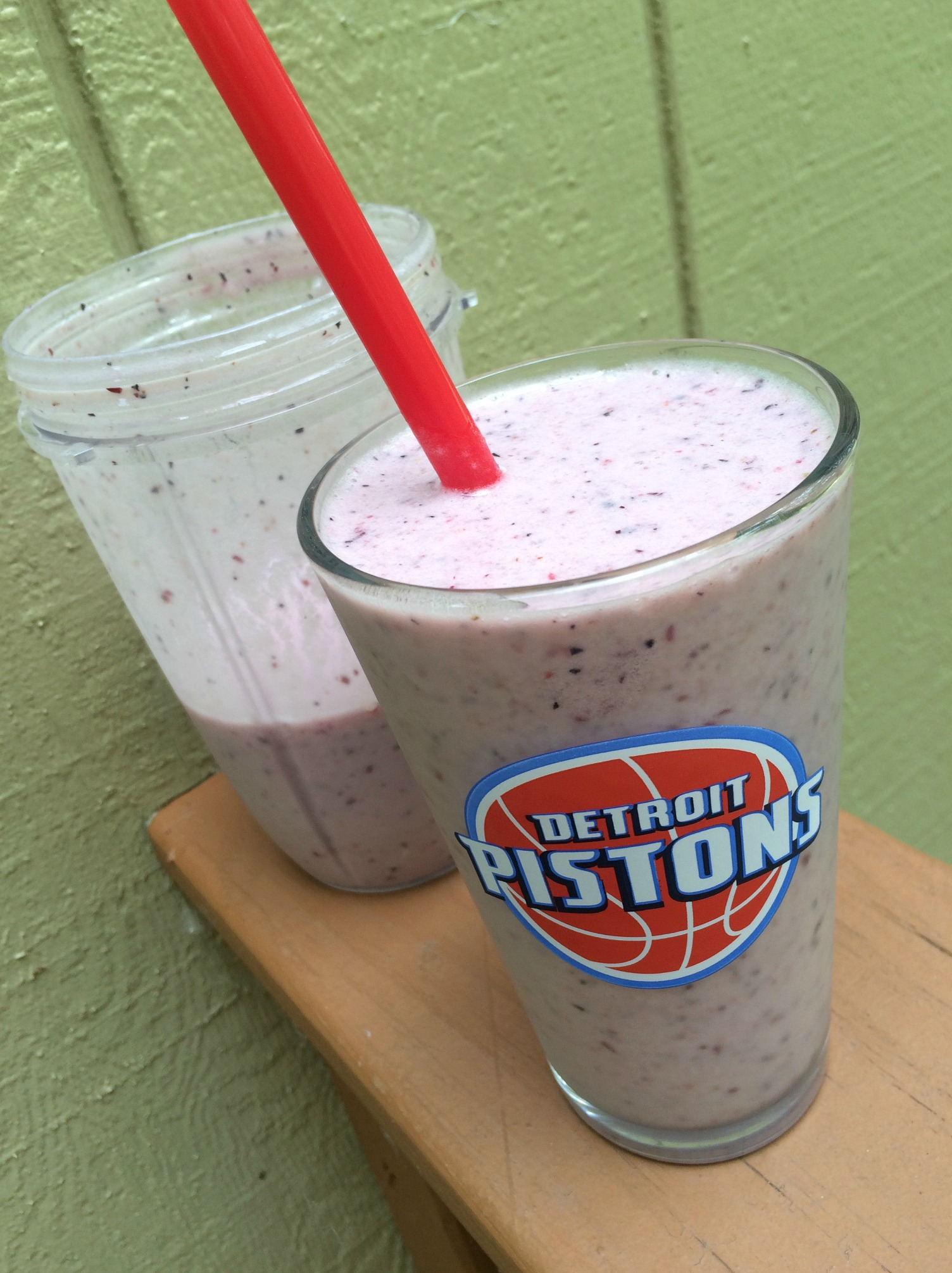 Fruit smoothie in Detroit Pistons cup