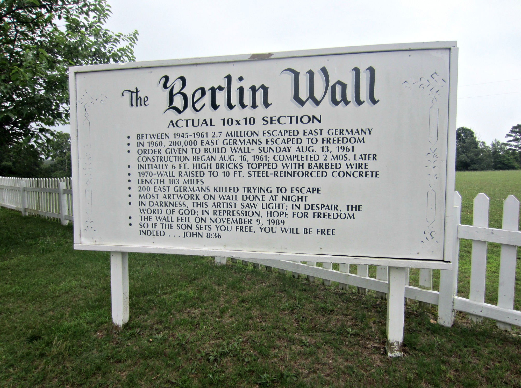 The Berlin Wall Eureka Springs