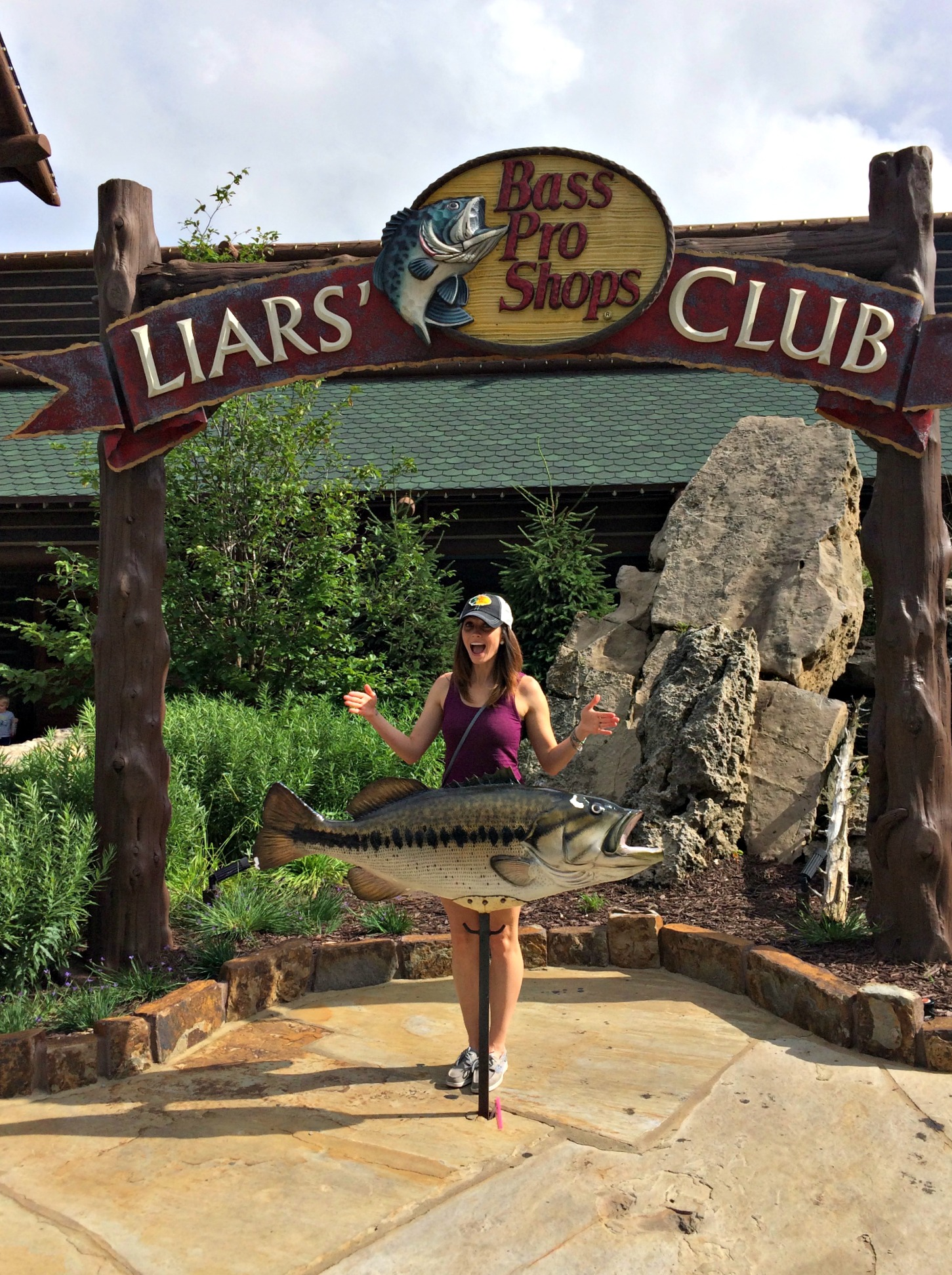bass pro shops liars' club