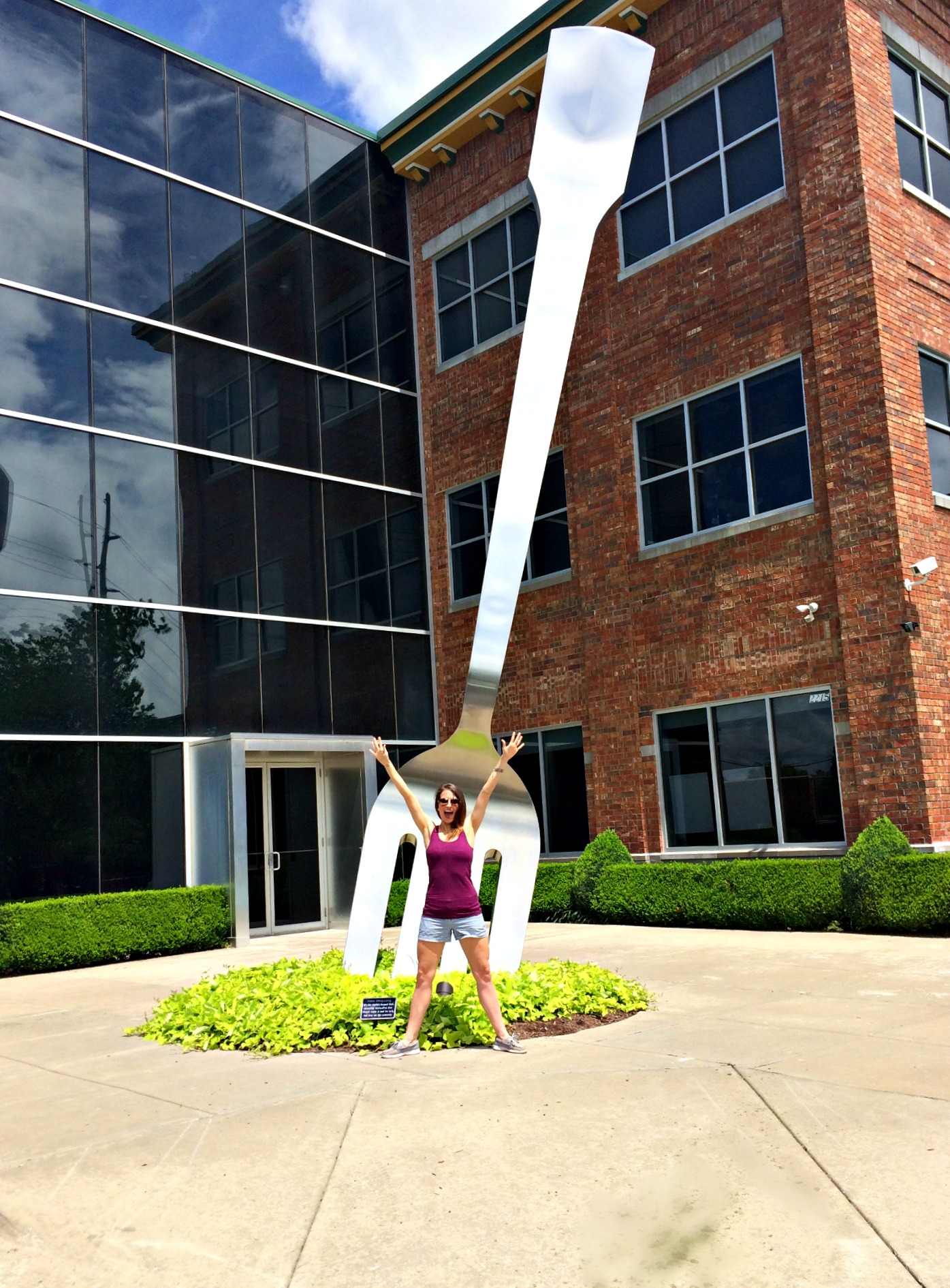 the world's largest fork in springfield, mo