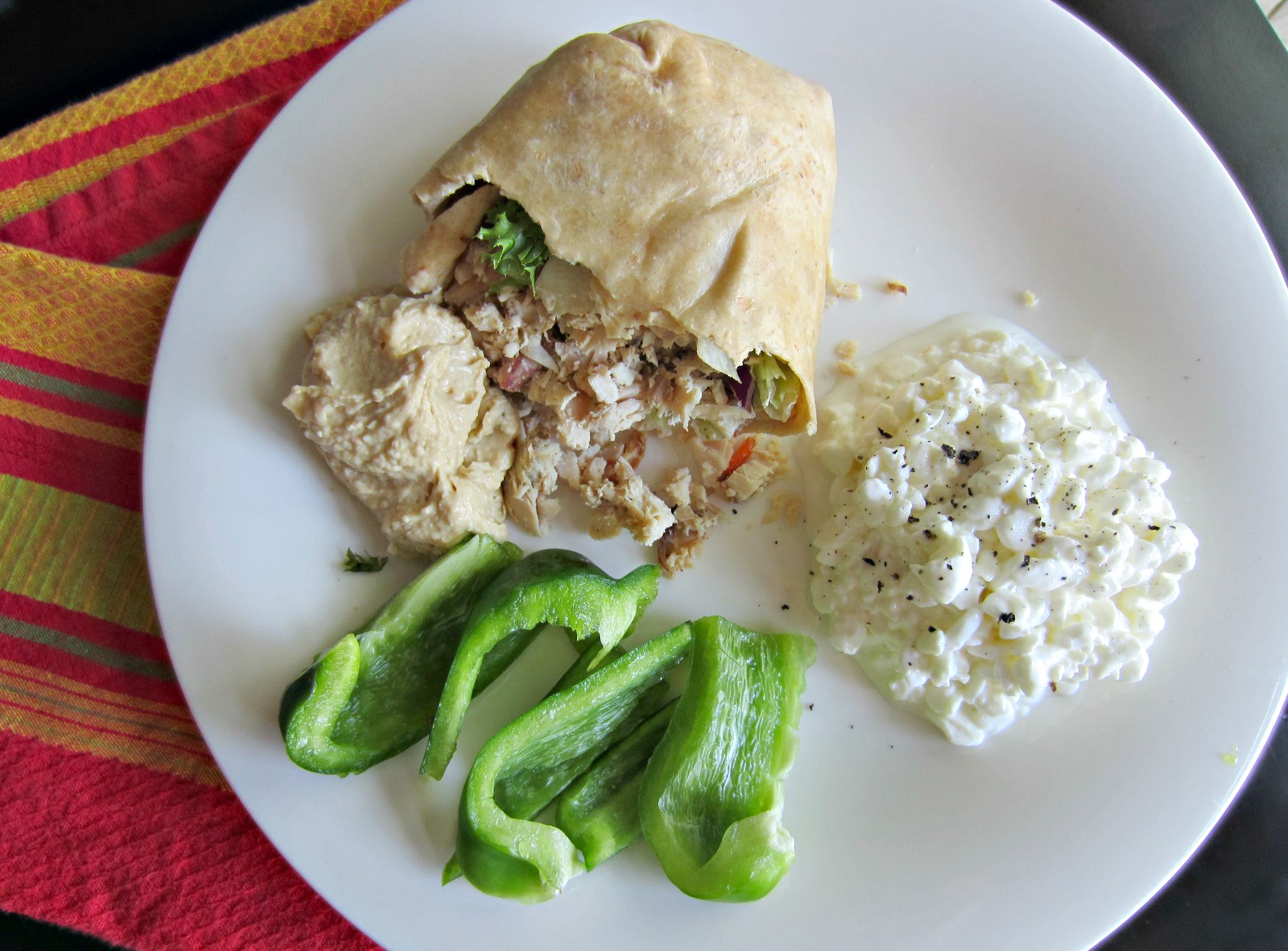 chicken wrap with cottage cheese and peppers