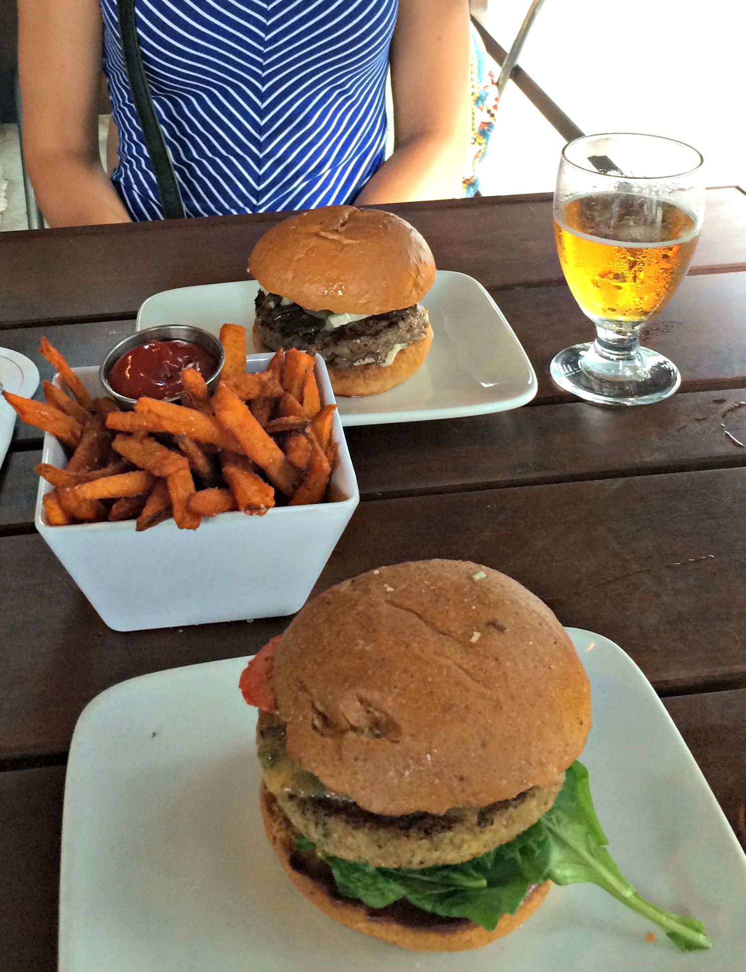 stout burgers and sweet potato fries