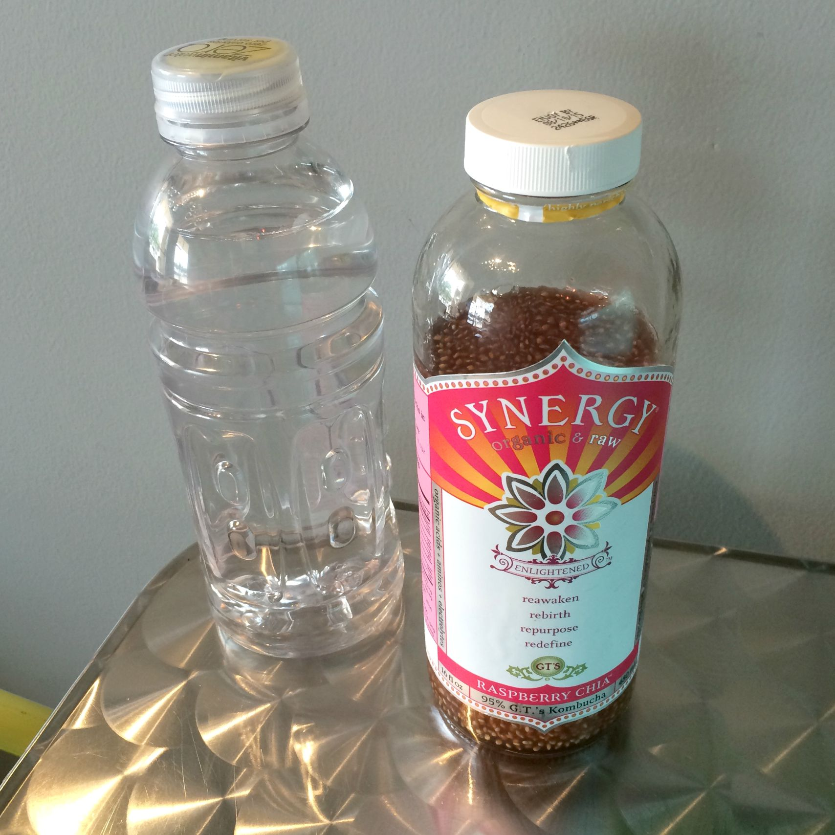 synergy raspberry chia kombucha