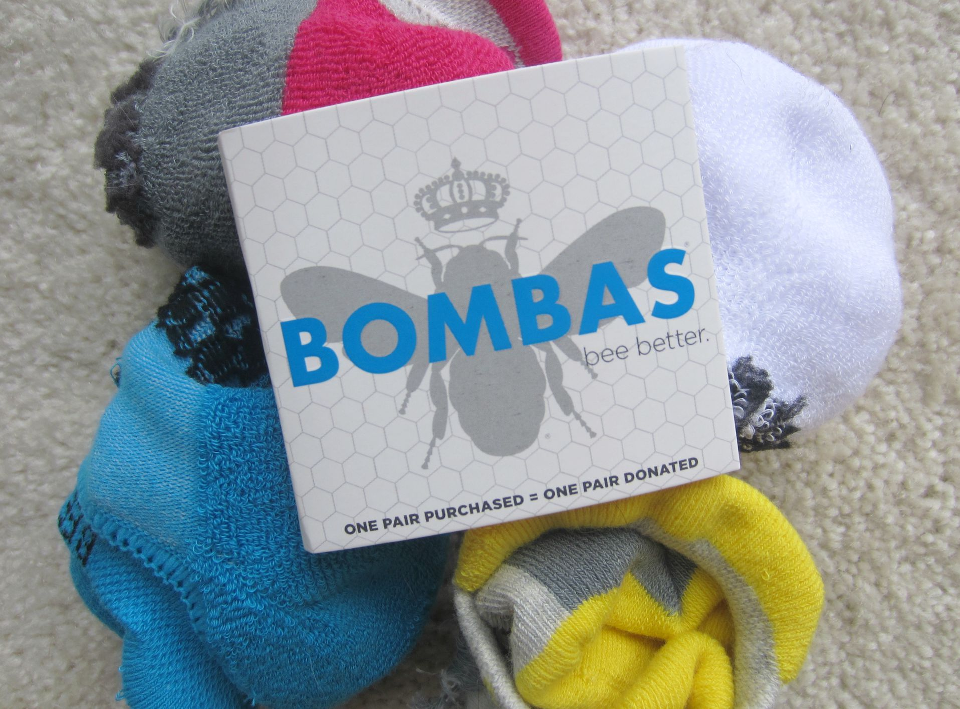 bombas bee better socks