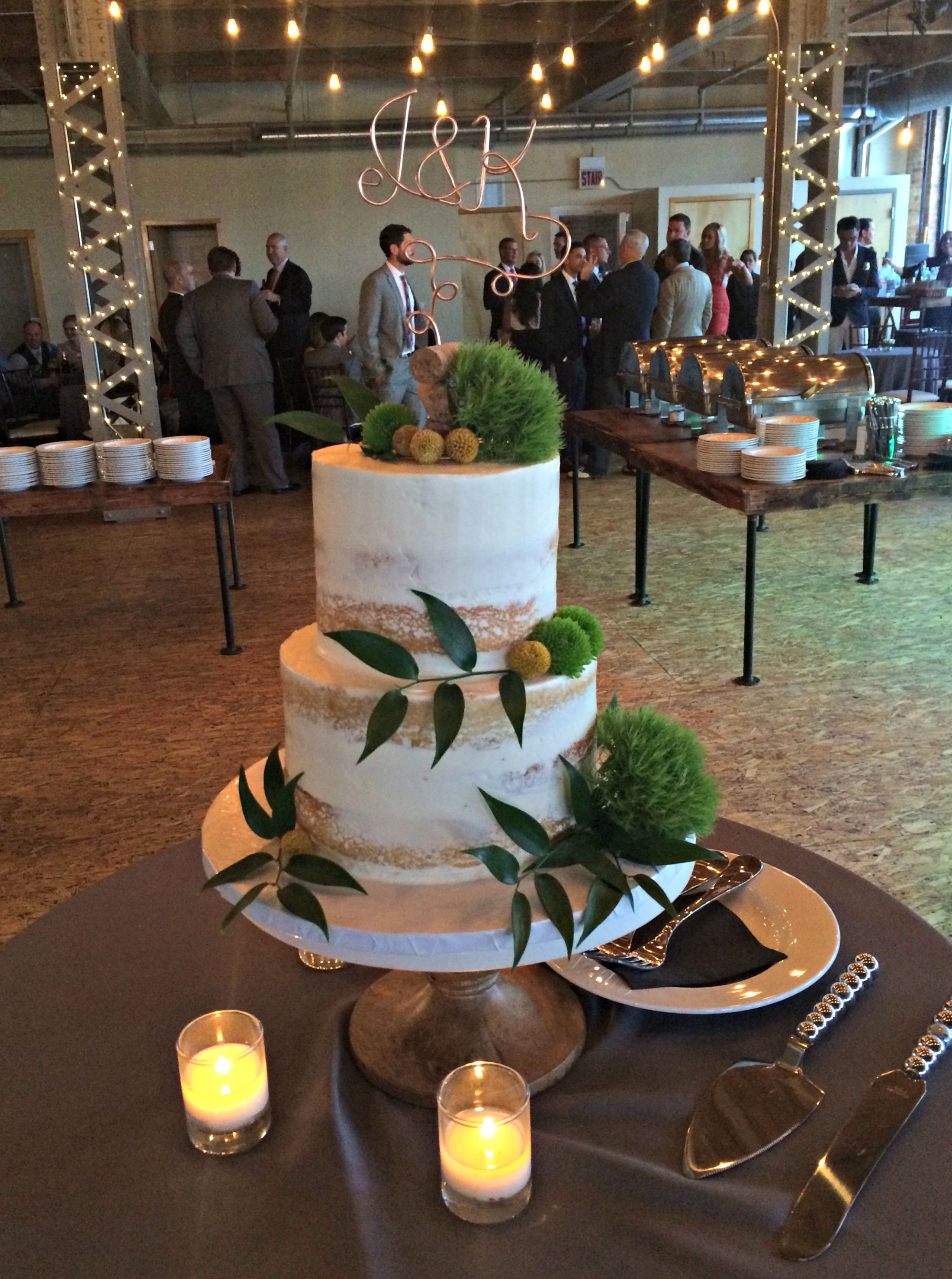 kim and jeremy's wedding cake