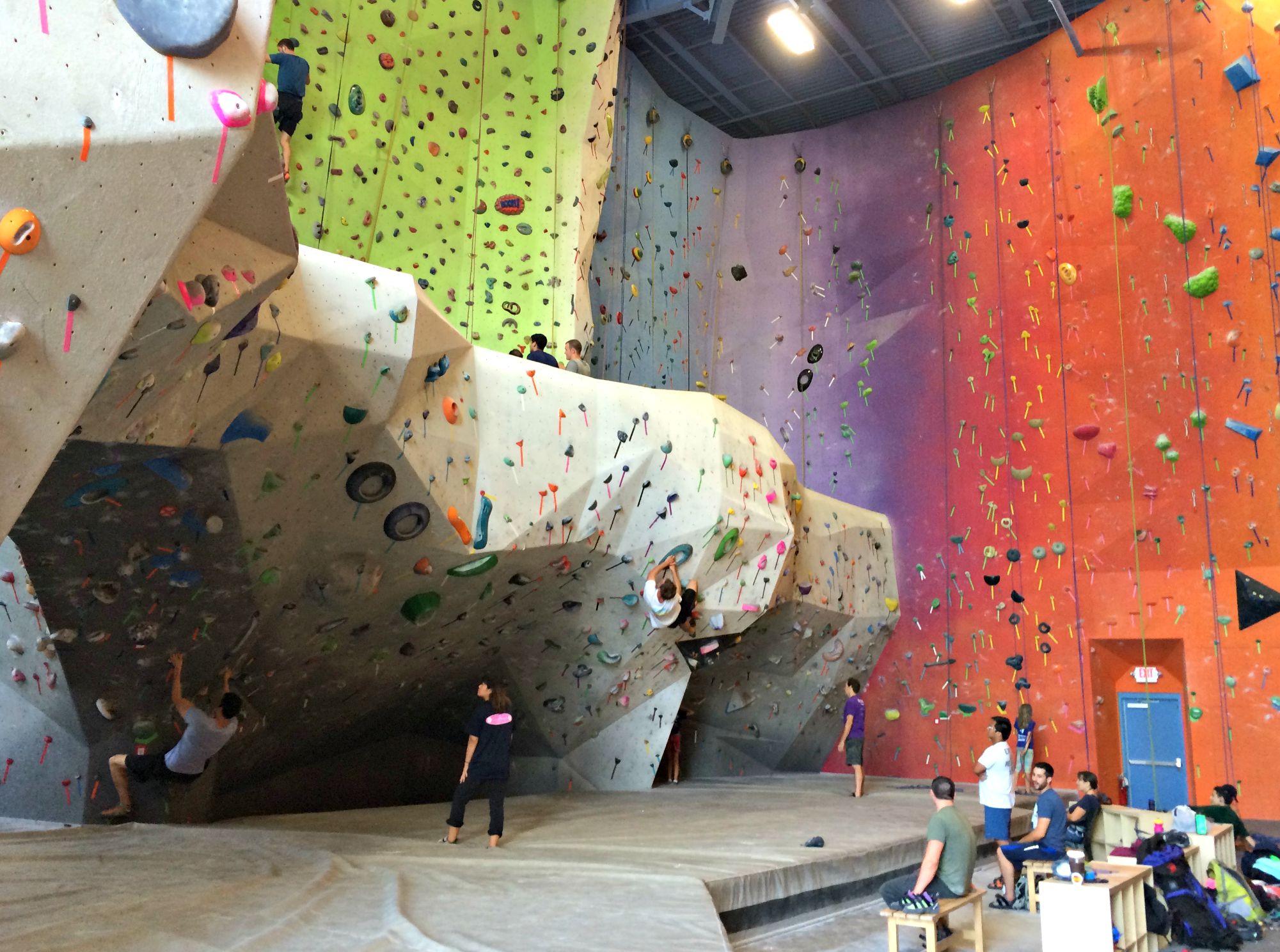 planet rock climbing floor