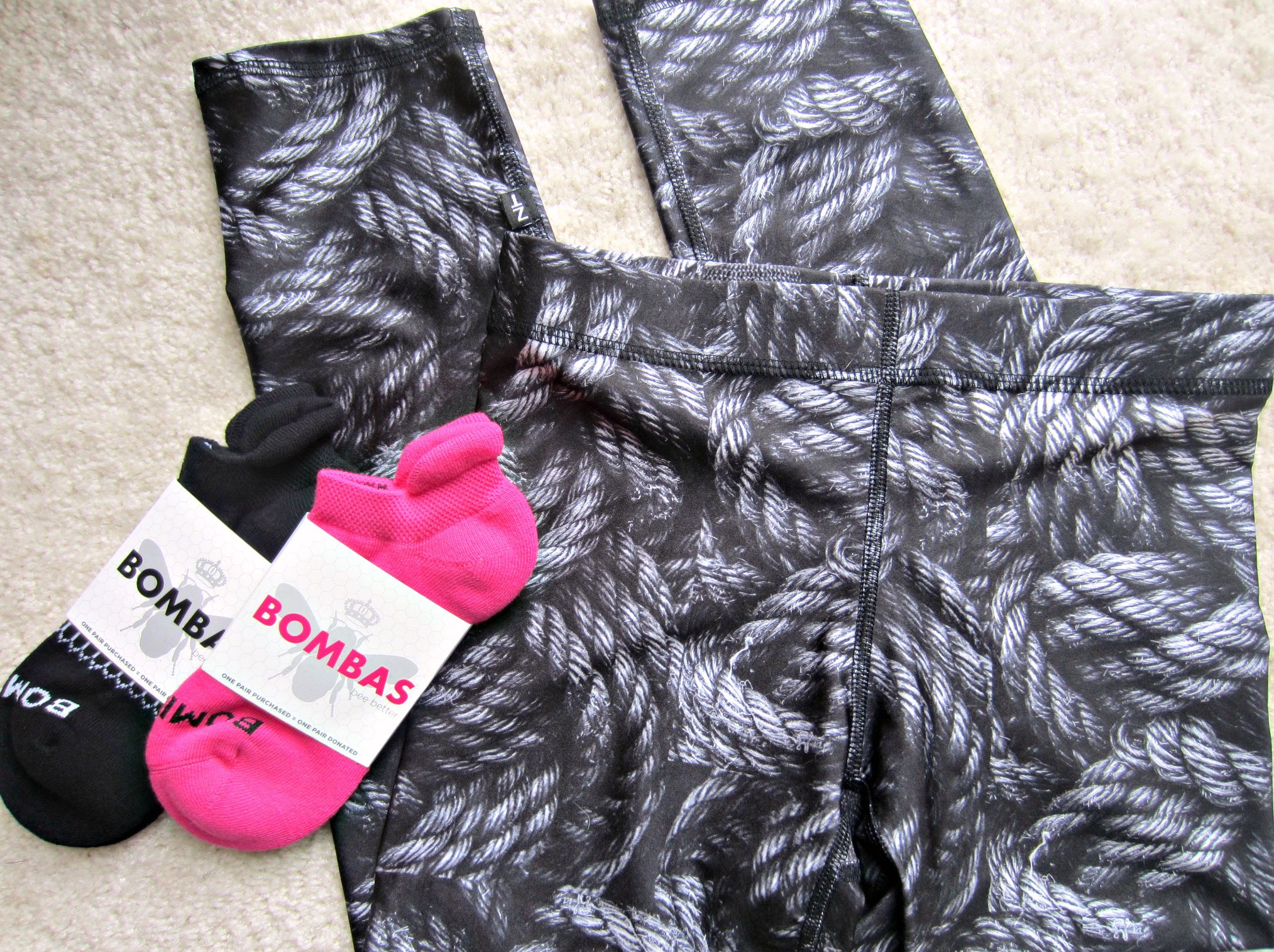 zara terez leggings and bombas socks