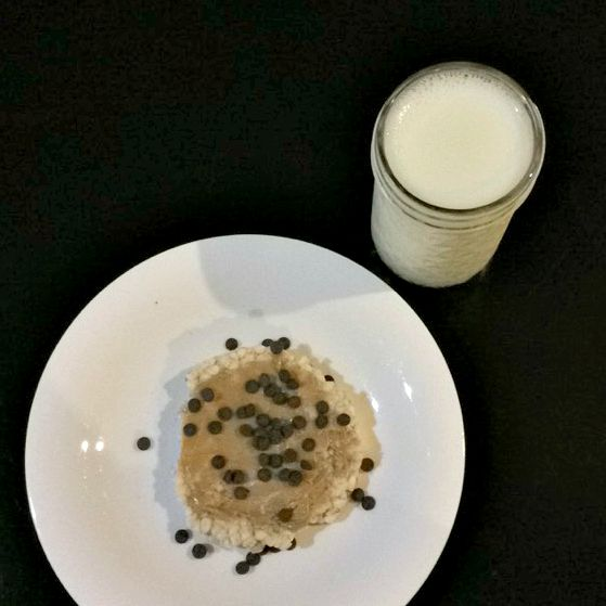 milk with rice cake peanut butter and chocolate chip dessert