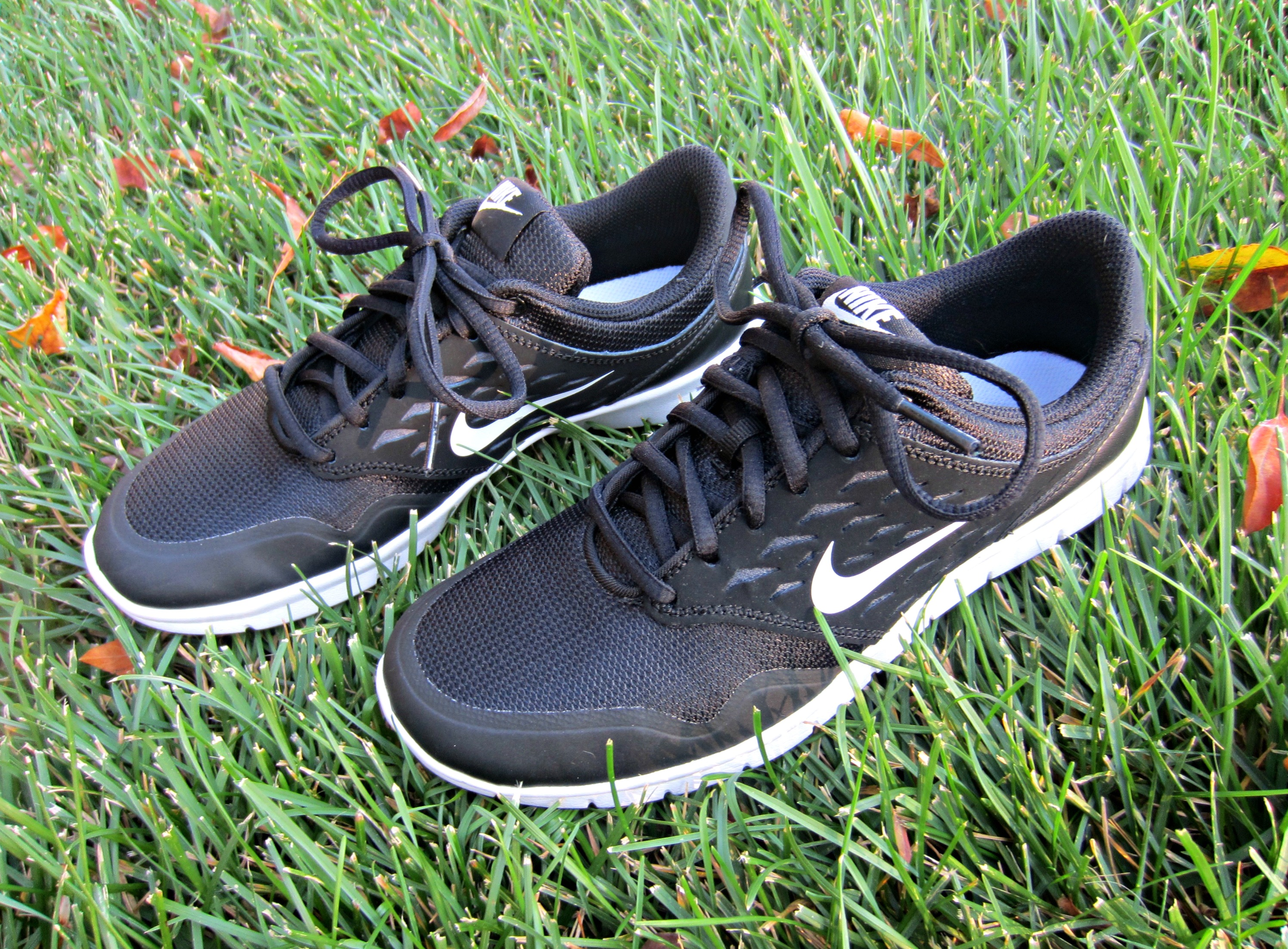 Nike Orive NM athletic shoe
