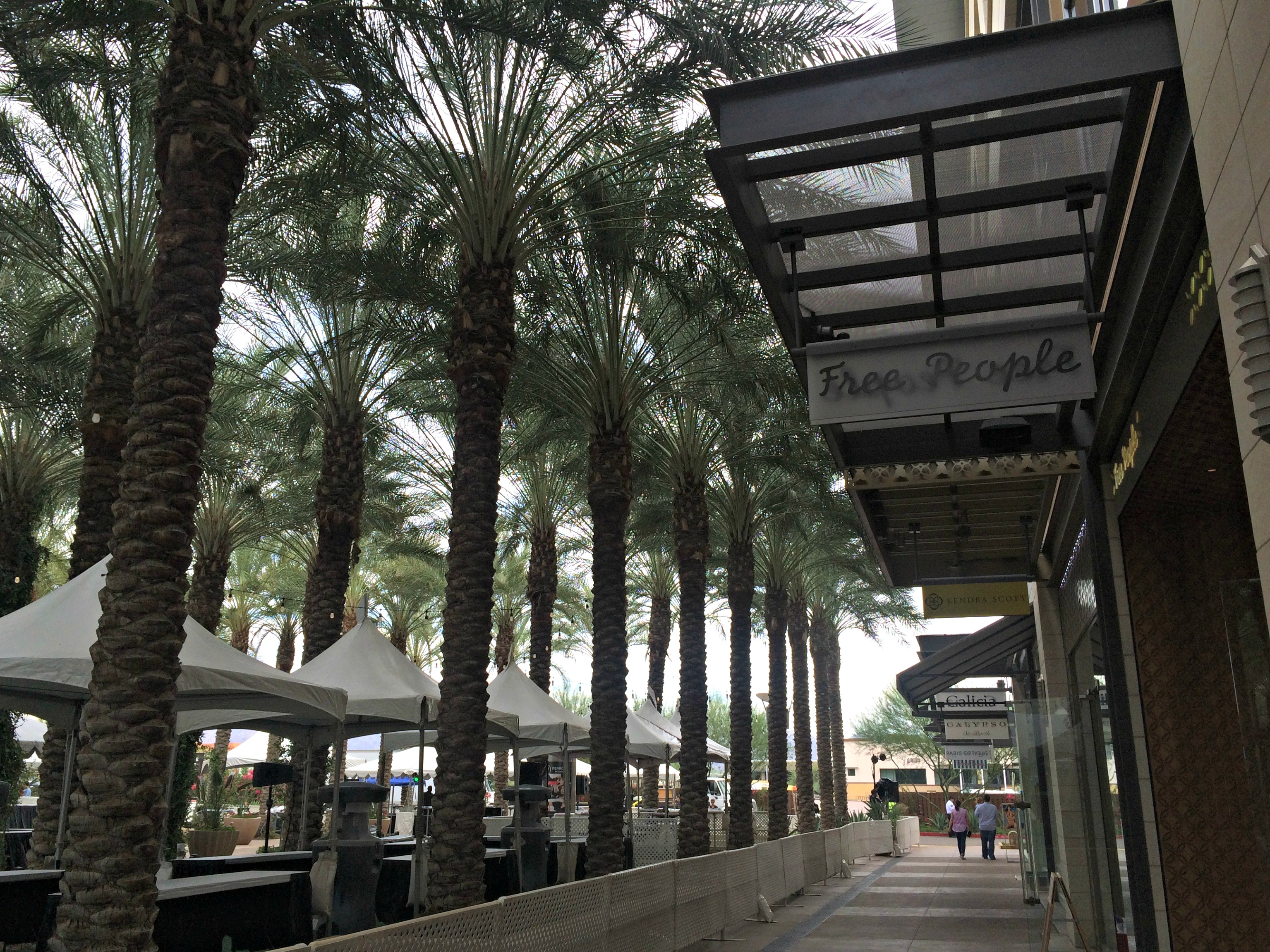 shopping and restaurants in scottsdale quarter, az