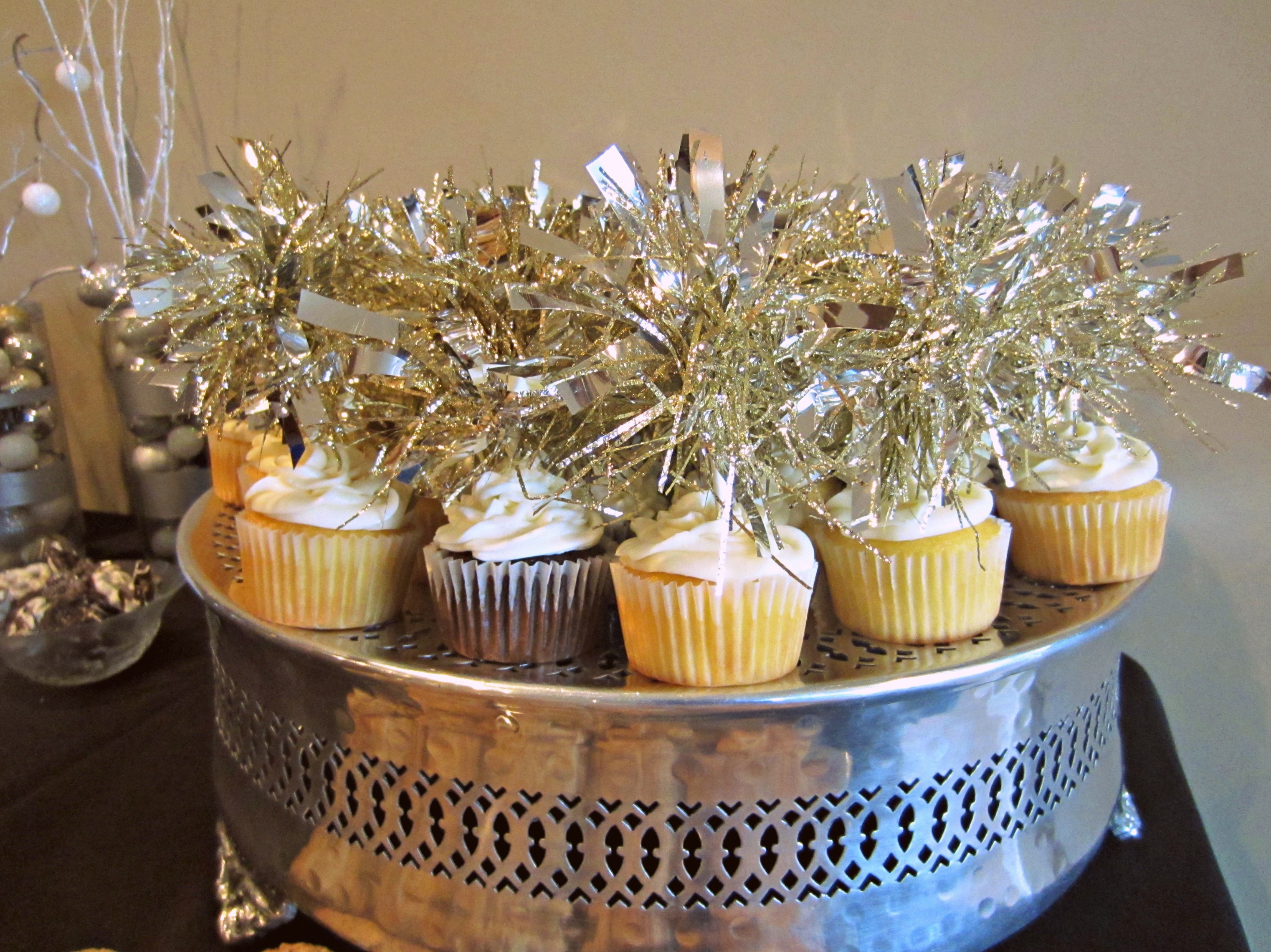 sparkle cupcakes for bridal shower
