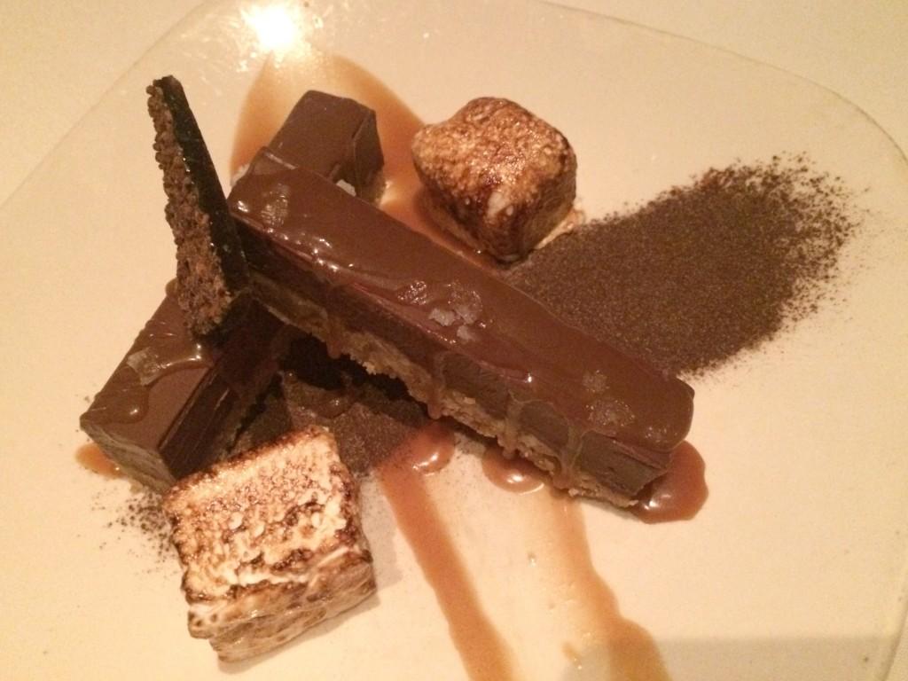 Roast bar chocolate dessert