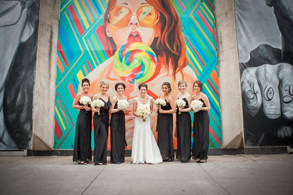 bridal photo downtown detroit