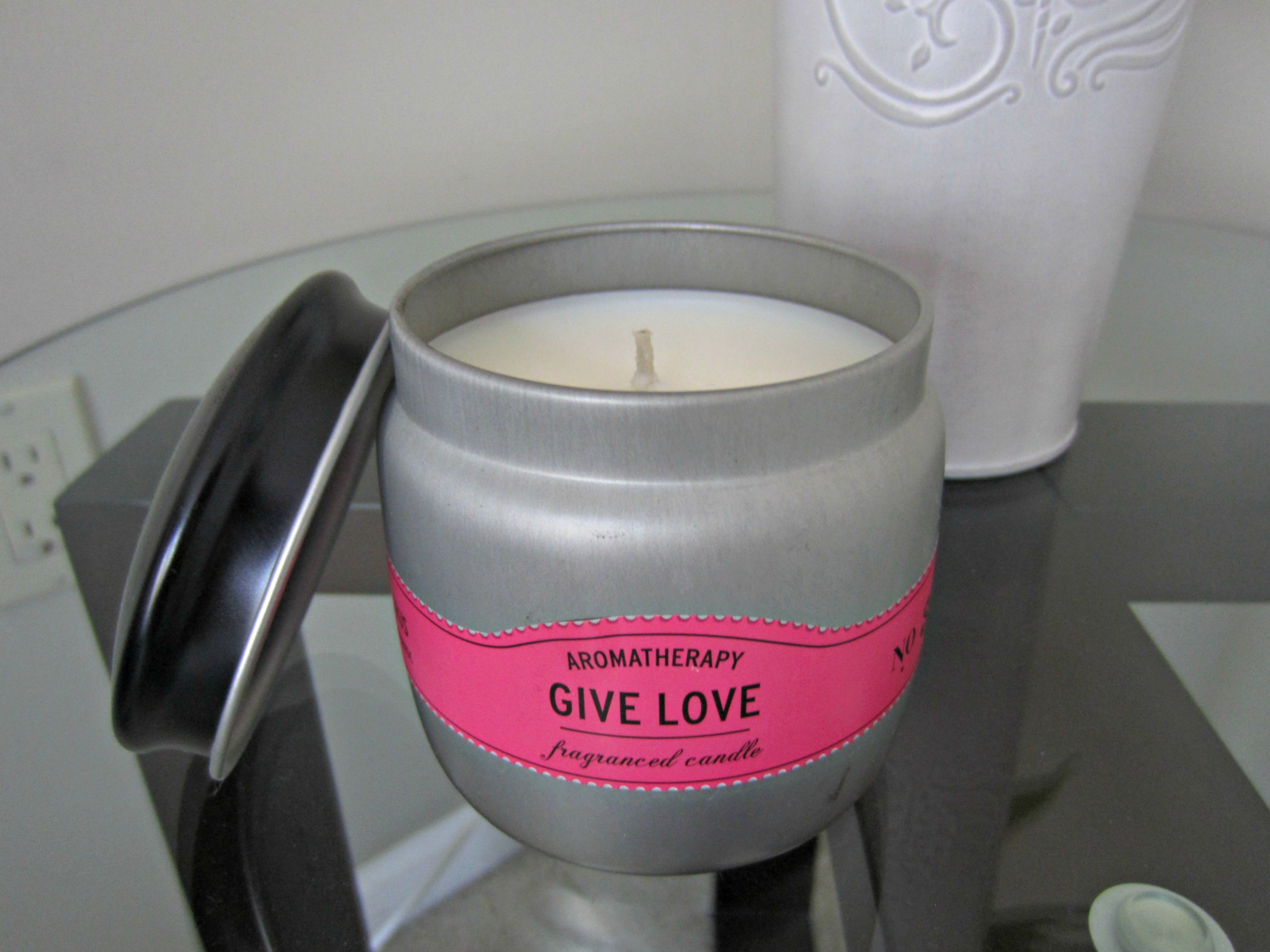 aromatherapy give love candle