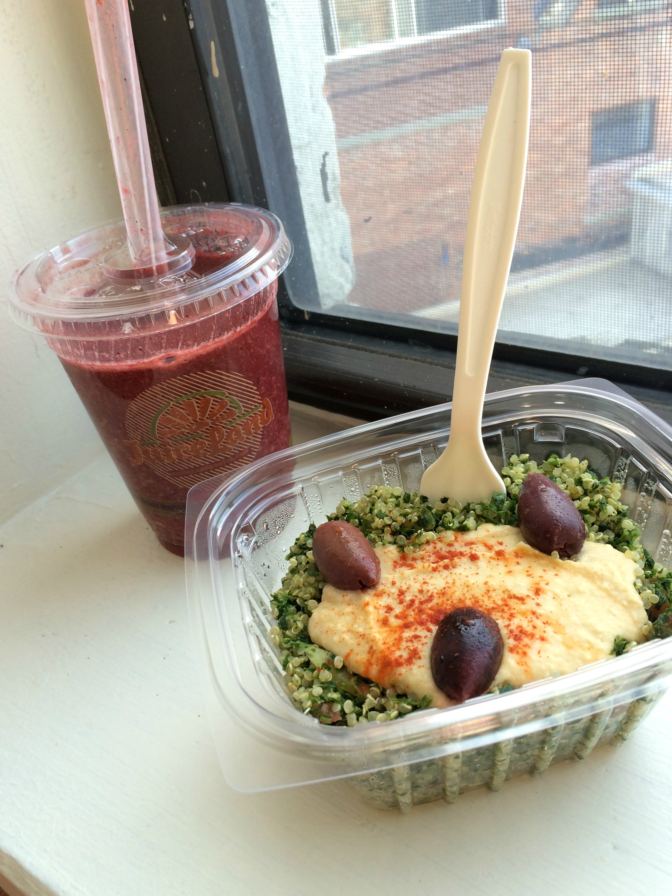 Juiceland smoothie and quinoa salad
