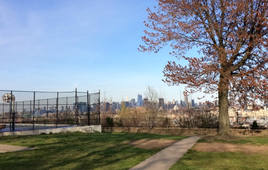 manhattan skyline from riverview park, jersey city