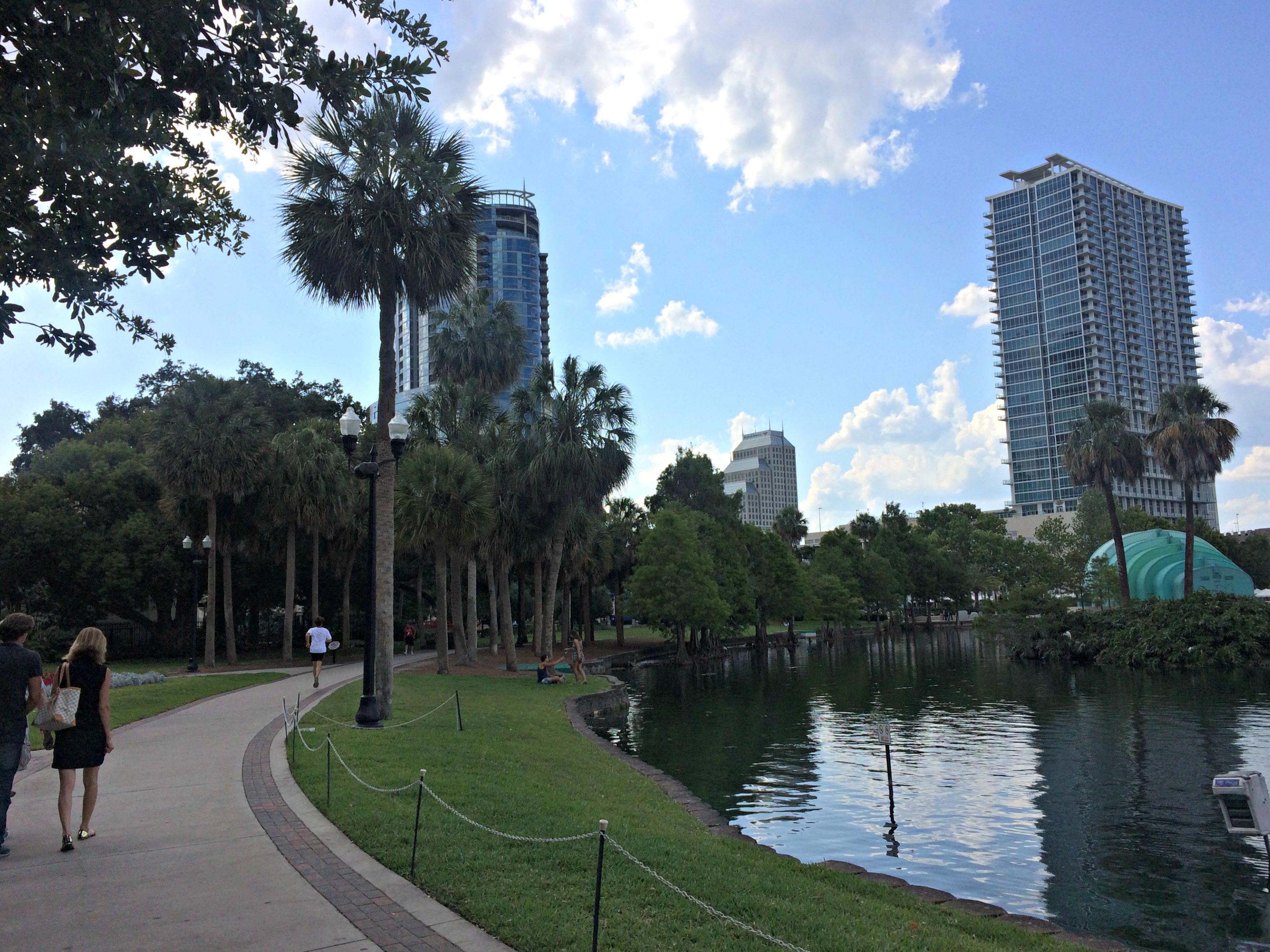 walk at lake eola park