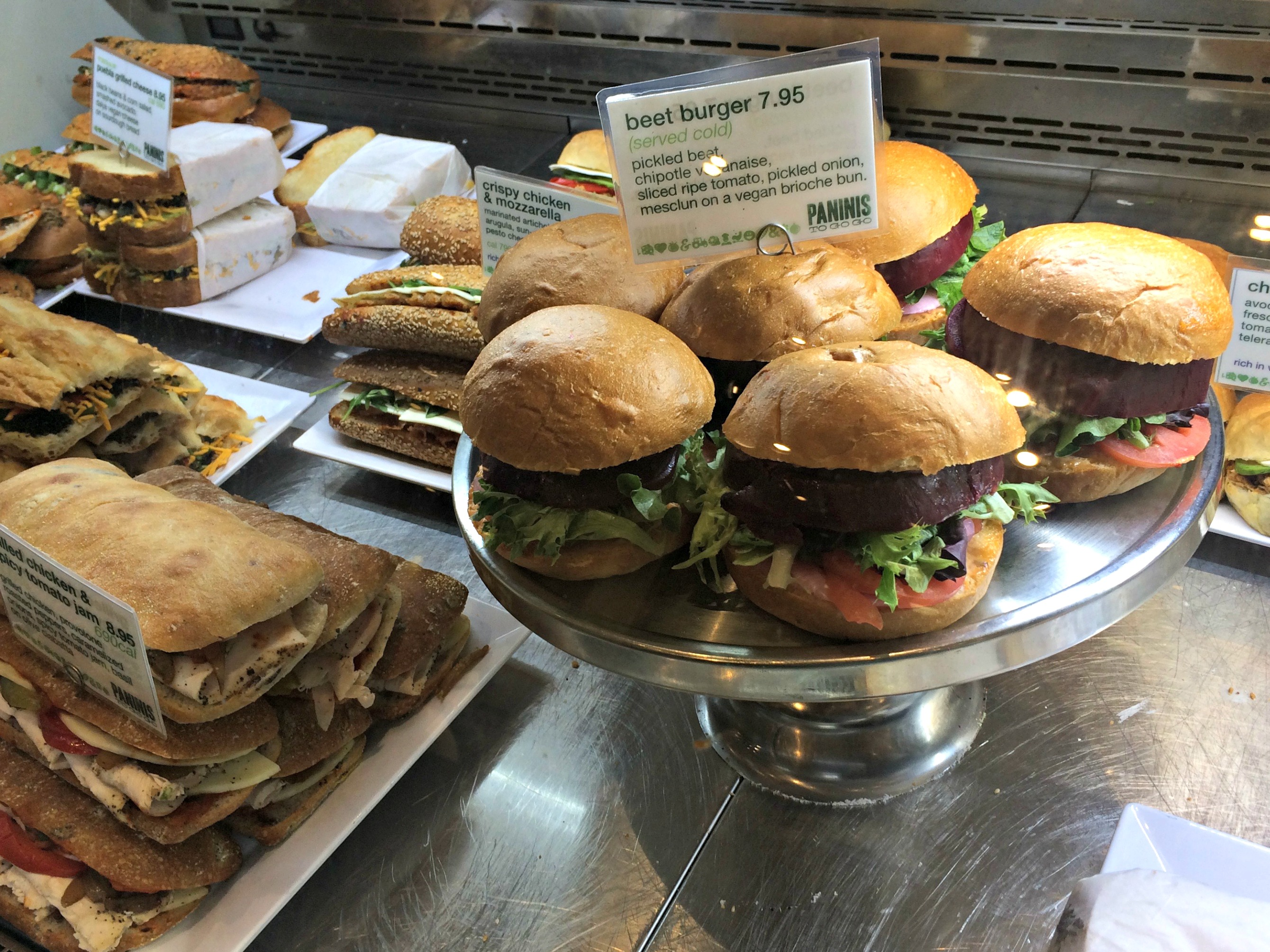 Fresh&Co beet burgers