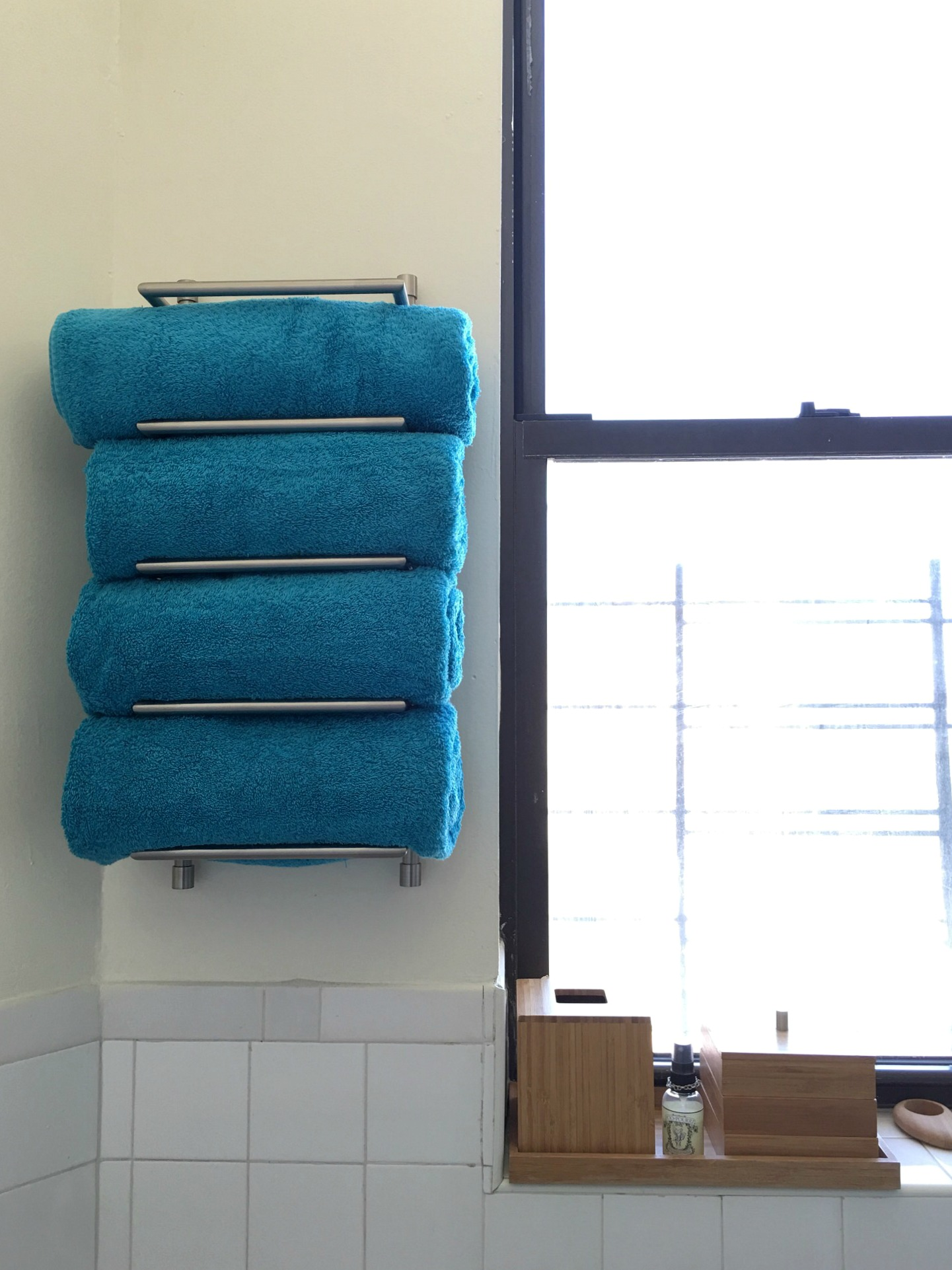 small bathroom hack - towel rack