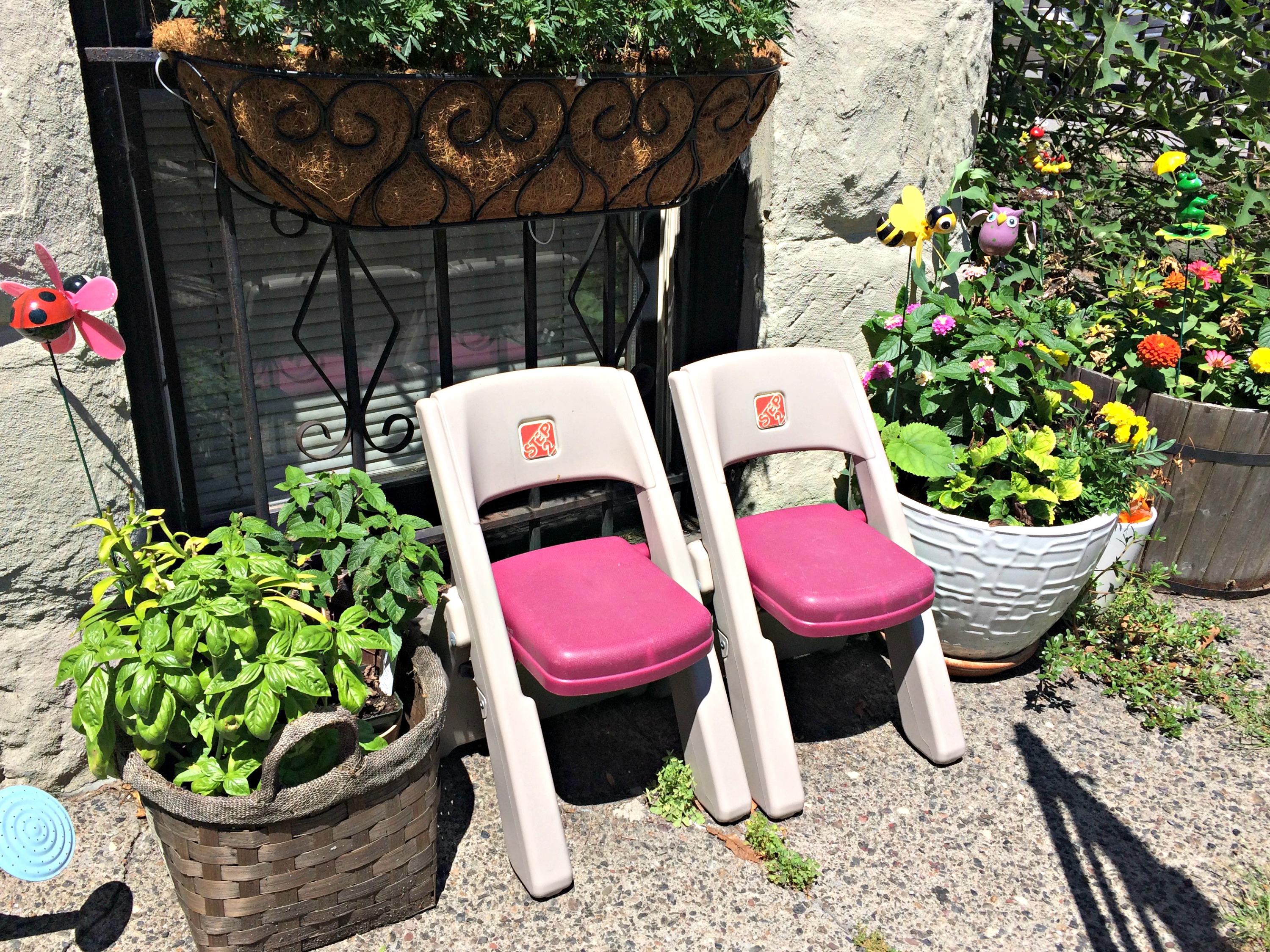 park slope front yard kids chairs