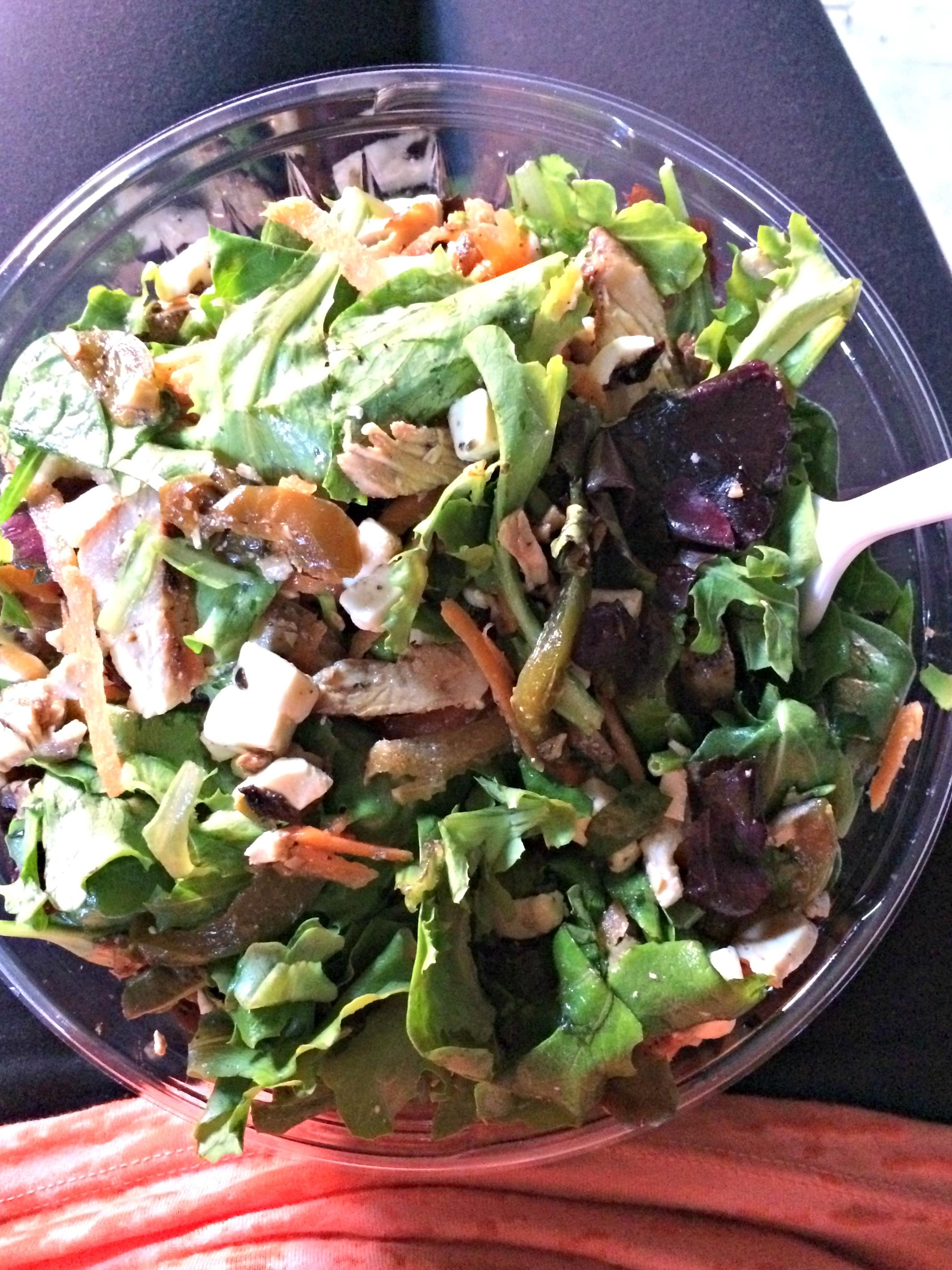 brooklyn-crepe-juice-salad