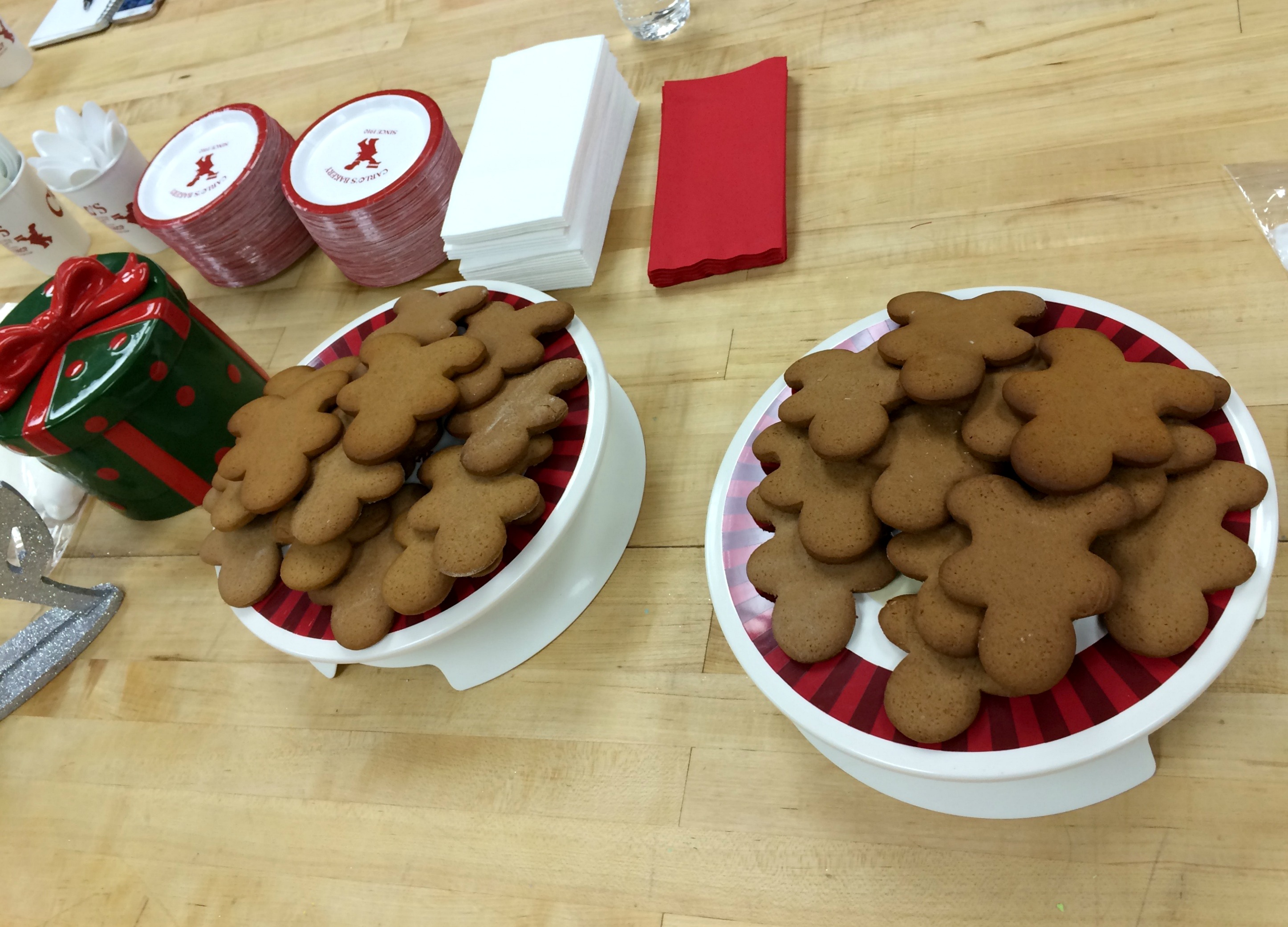 cake-boss-gingerbread-cookies