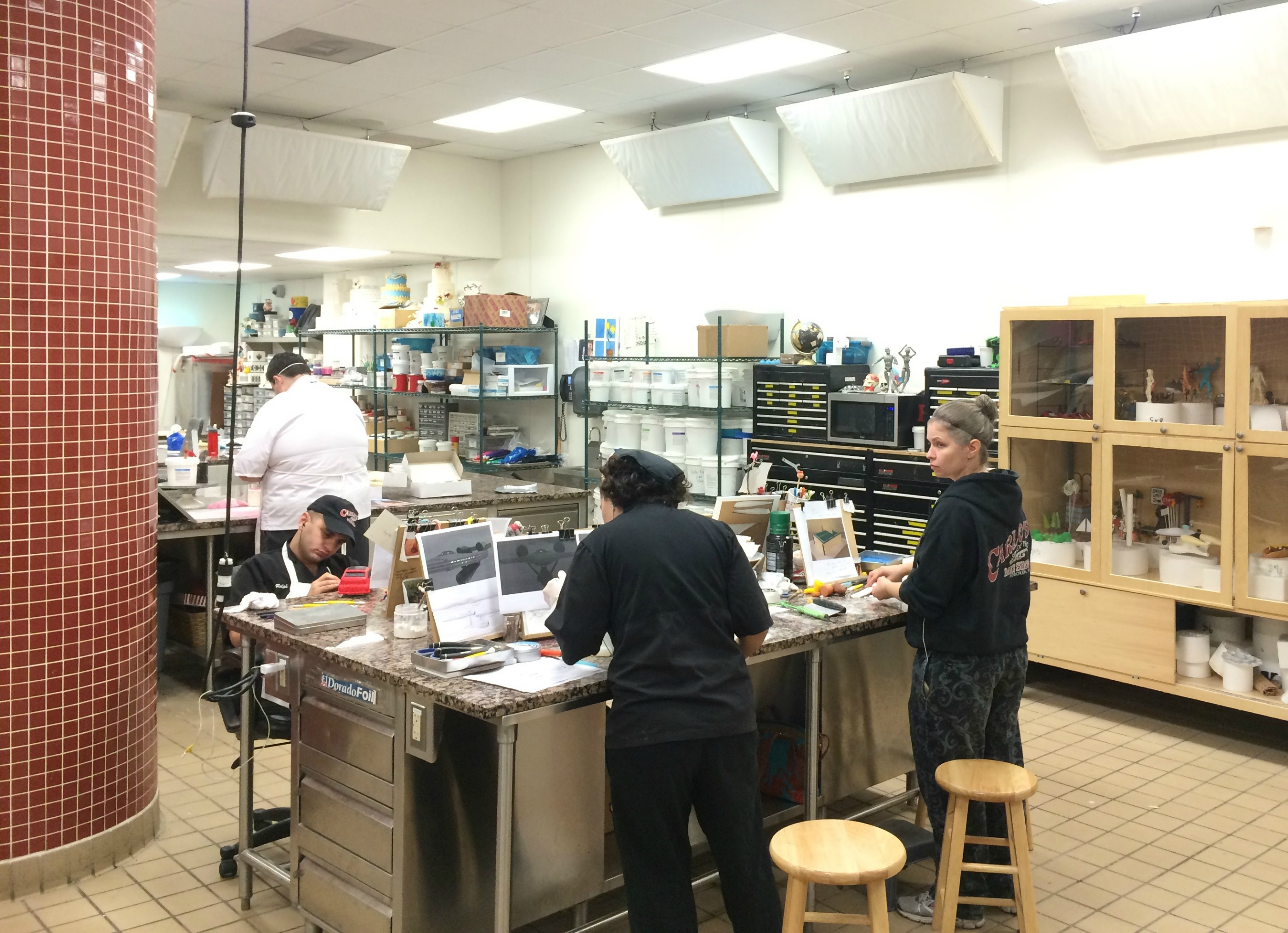 carlos-bakery-tour-behind-the-scenes