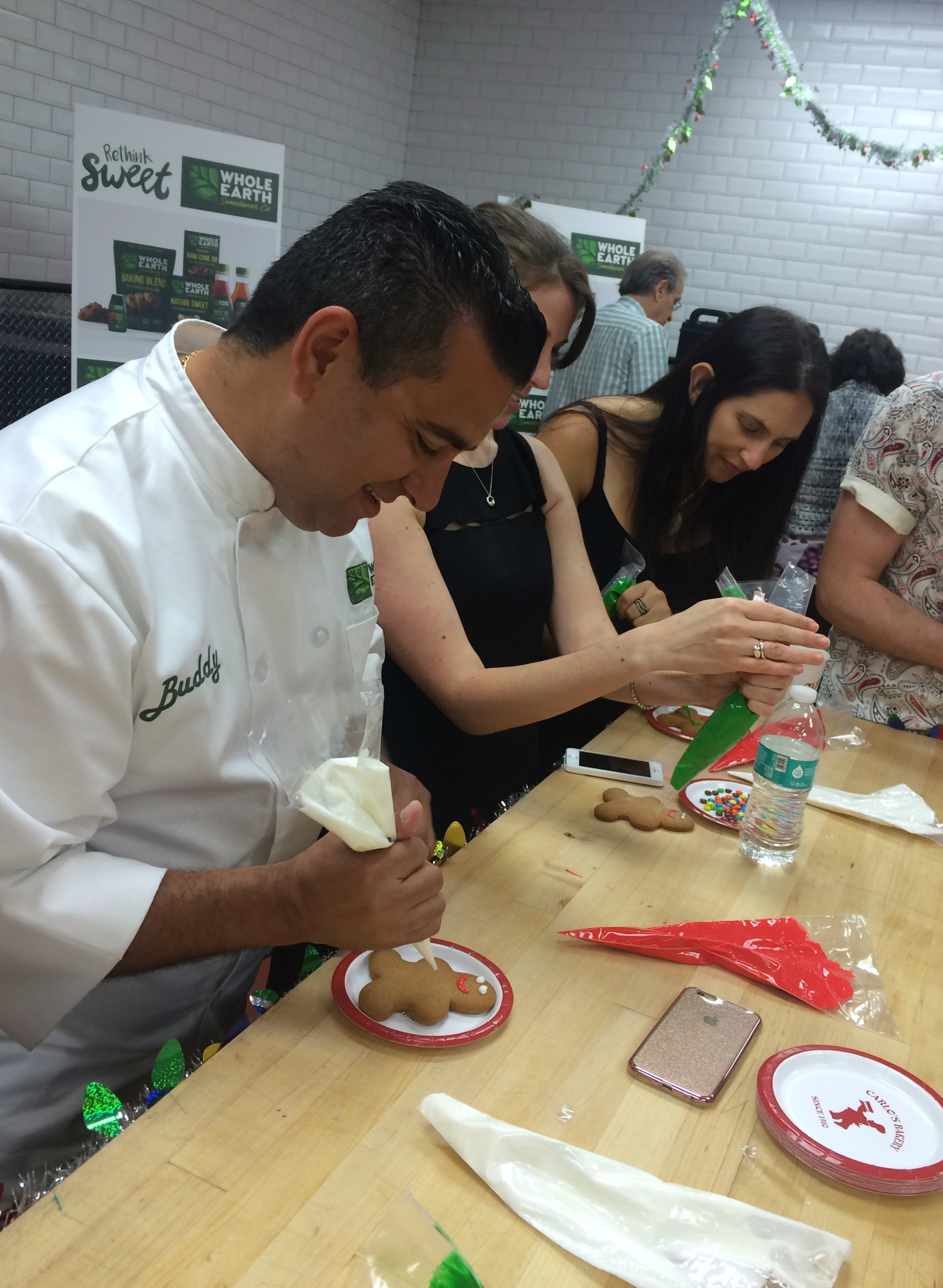 decorating-cookies-with-buddy-valastro