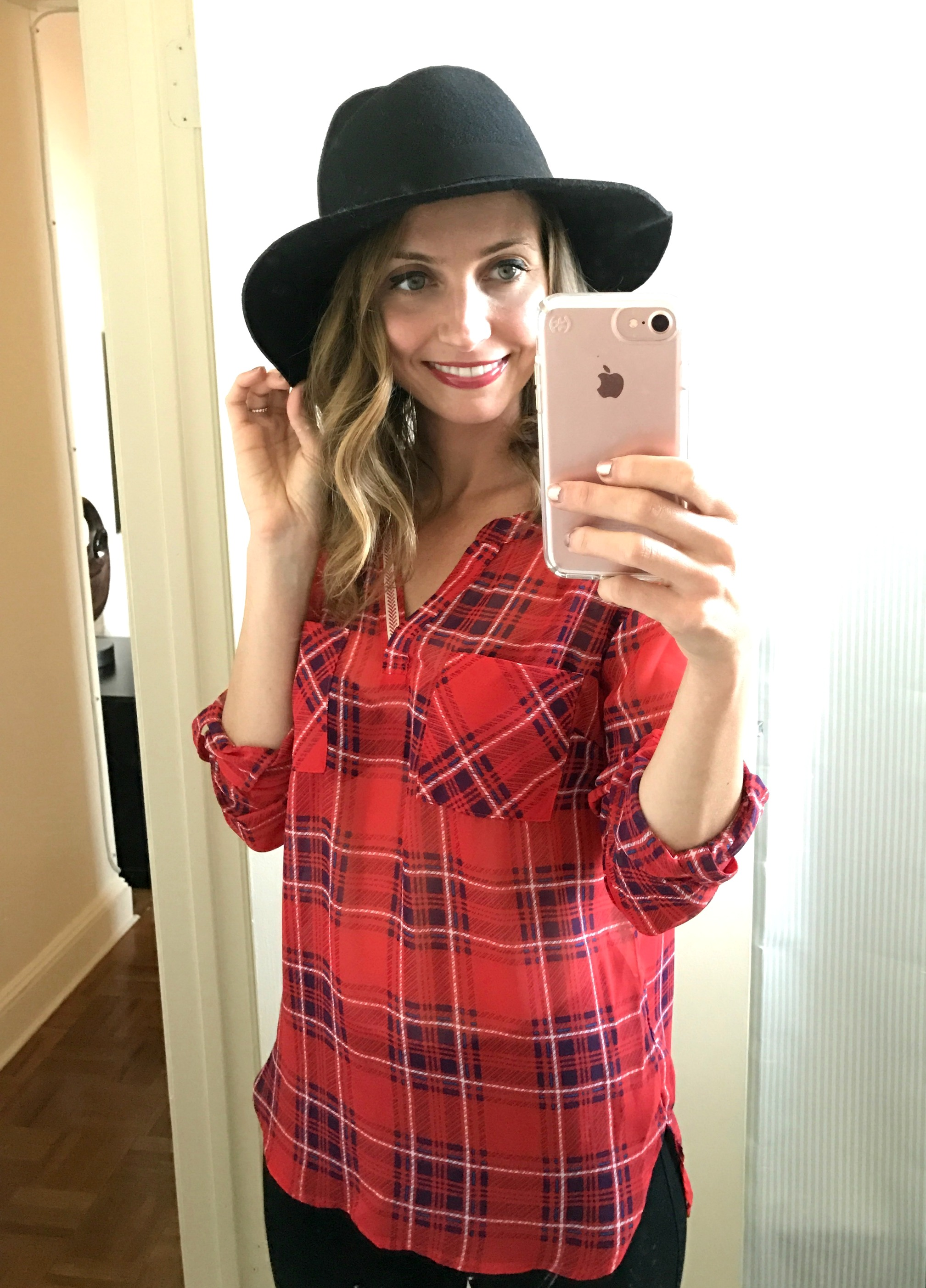 stitch-fix-skies-are-blue-arturo-tab-sleeve-blouse-and-jack-lucy-wide-brim-hat