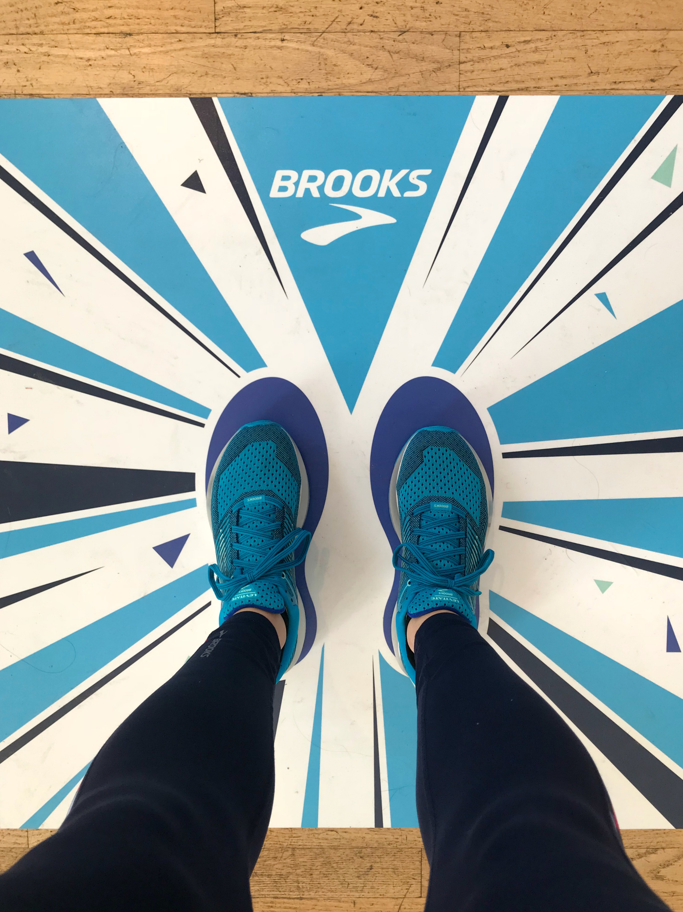 brooks levitate running shoes