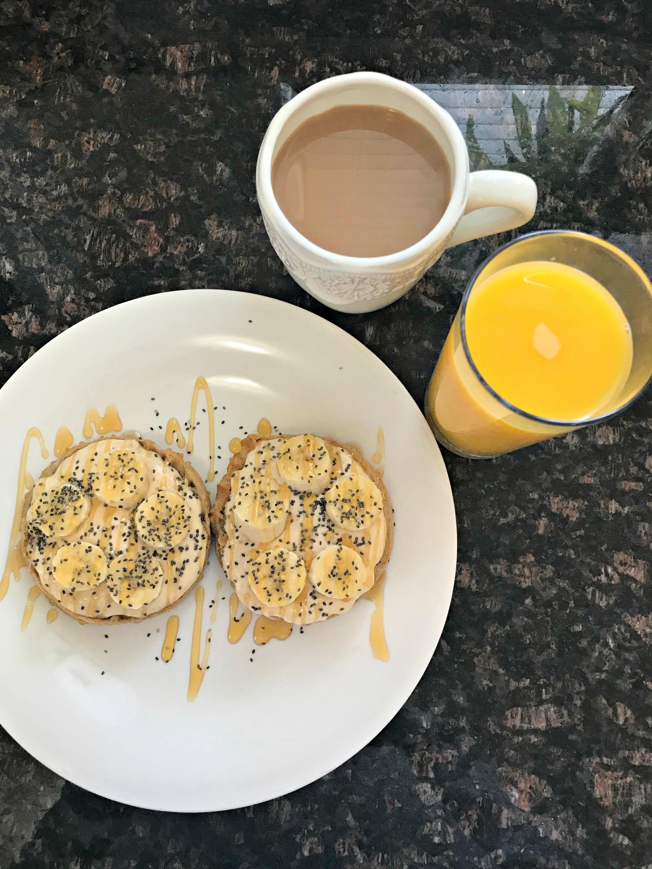 healthy breakfast waffles with greek yogurt and fruit