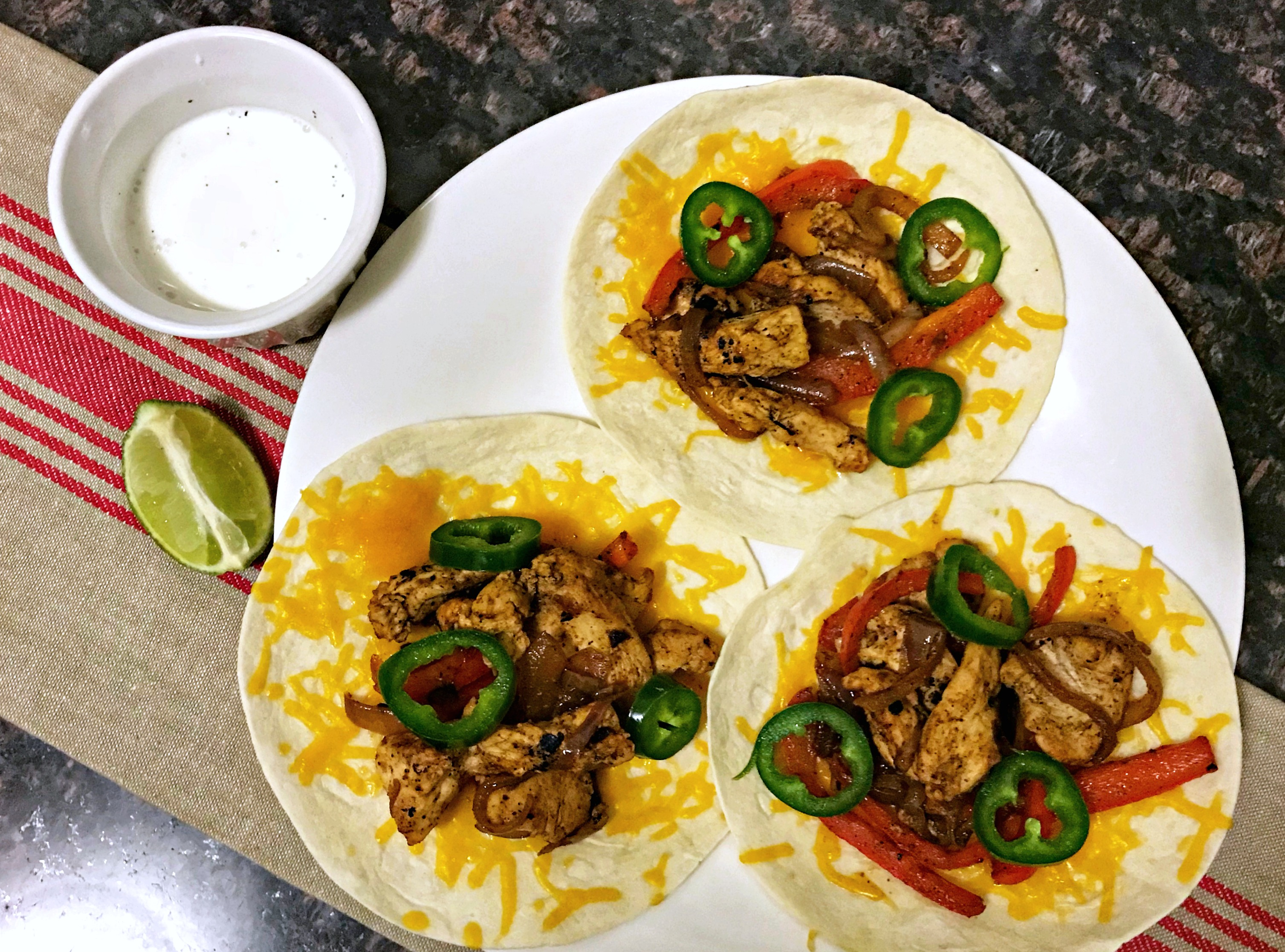 hello fresh cheesy chicken fajitas