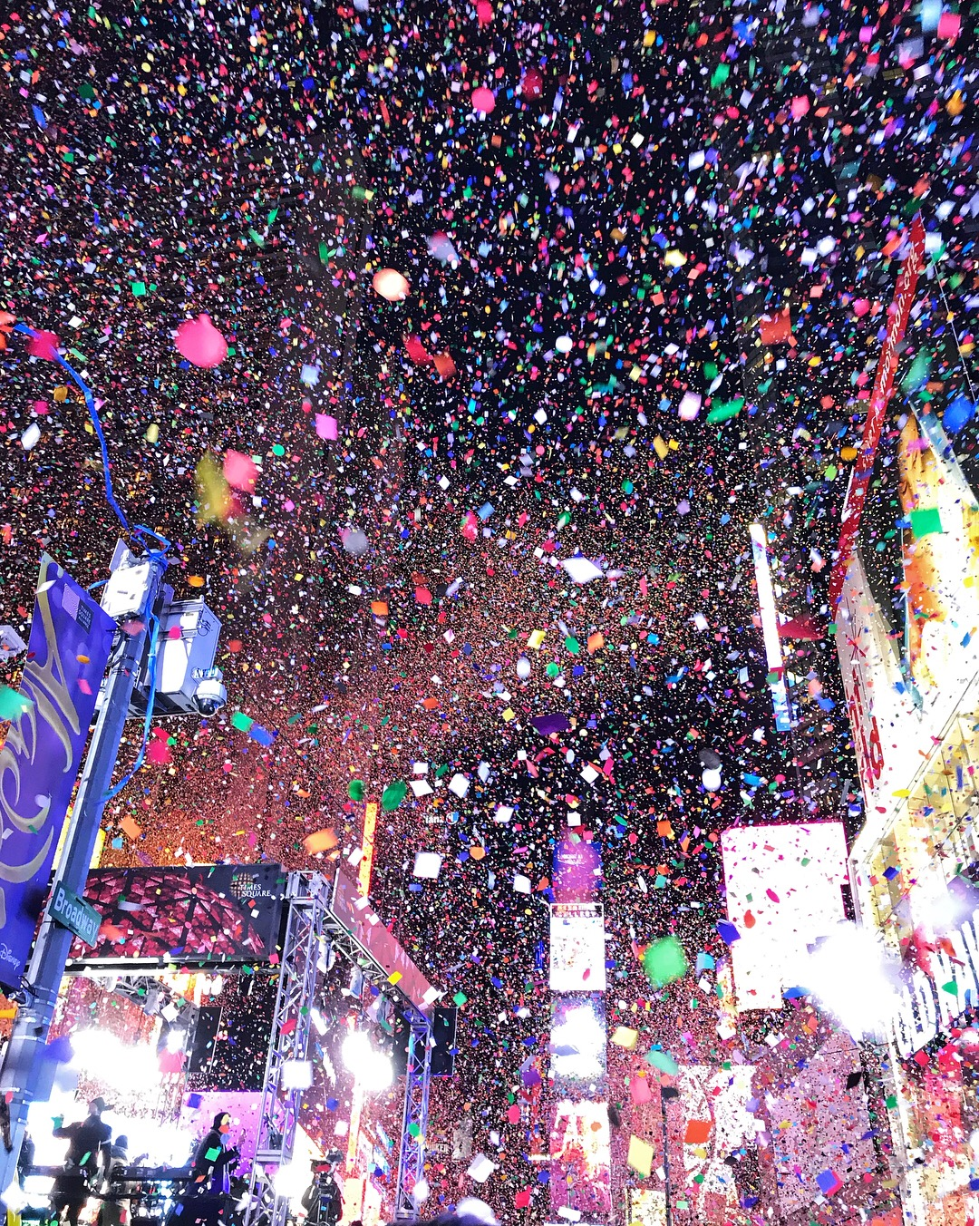 new years eve times square confetti