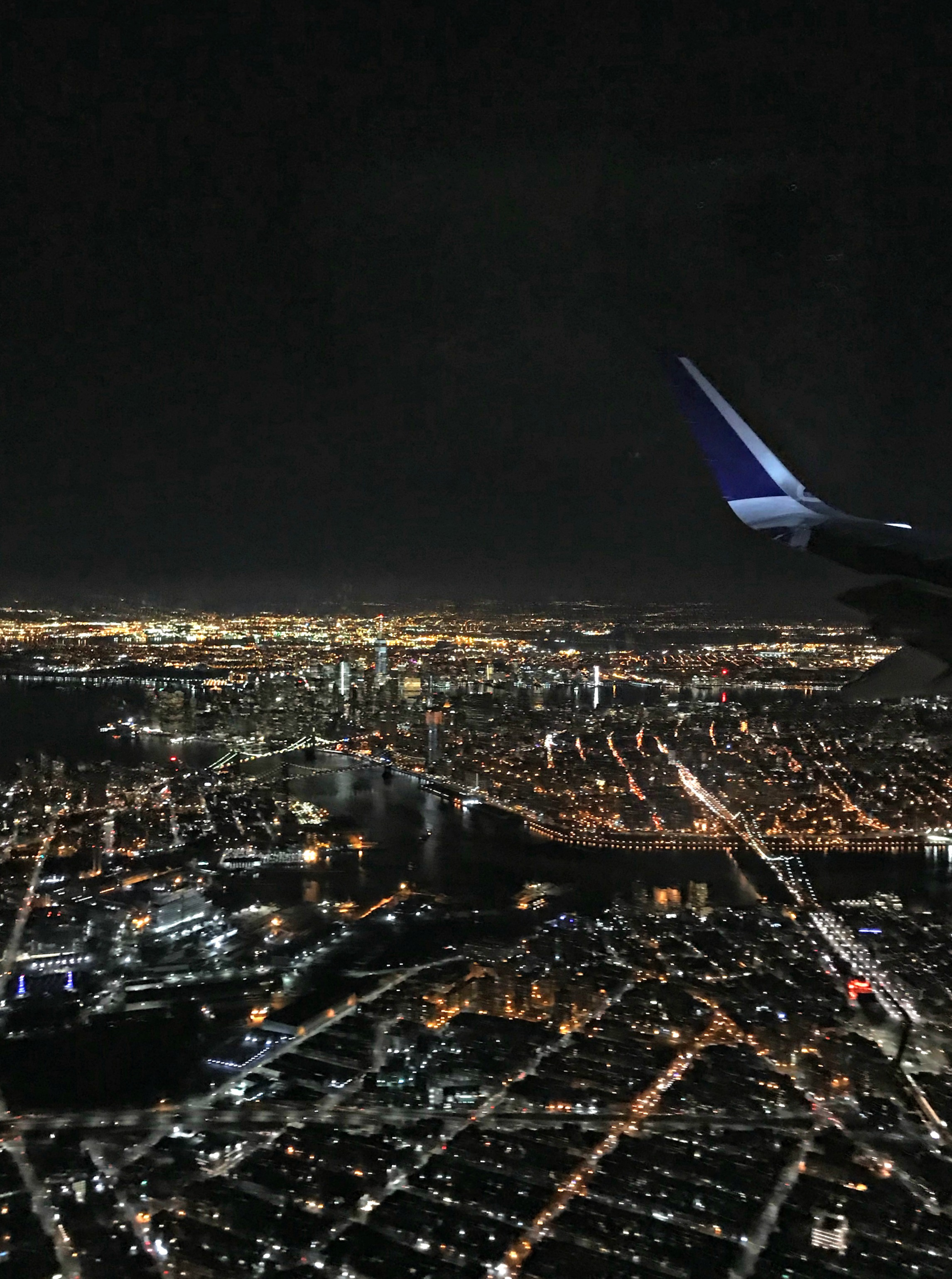 new york city skyline from airplane