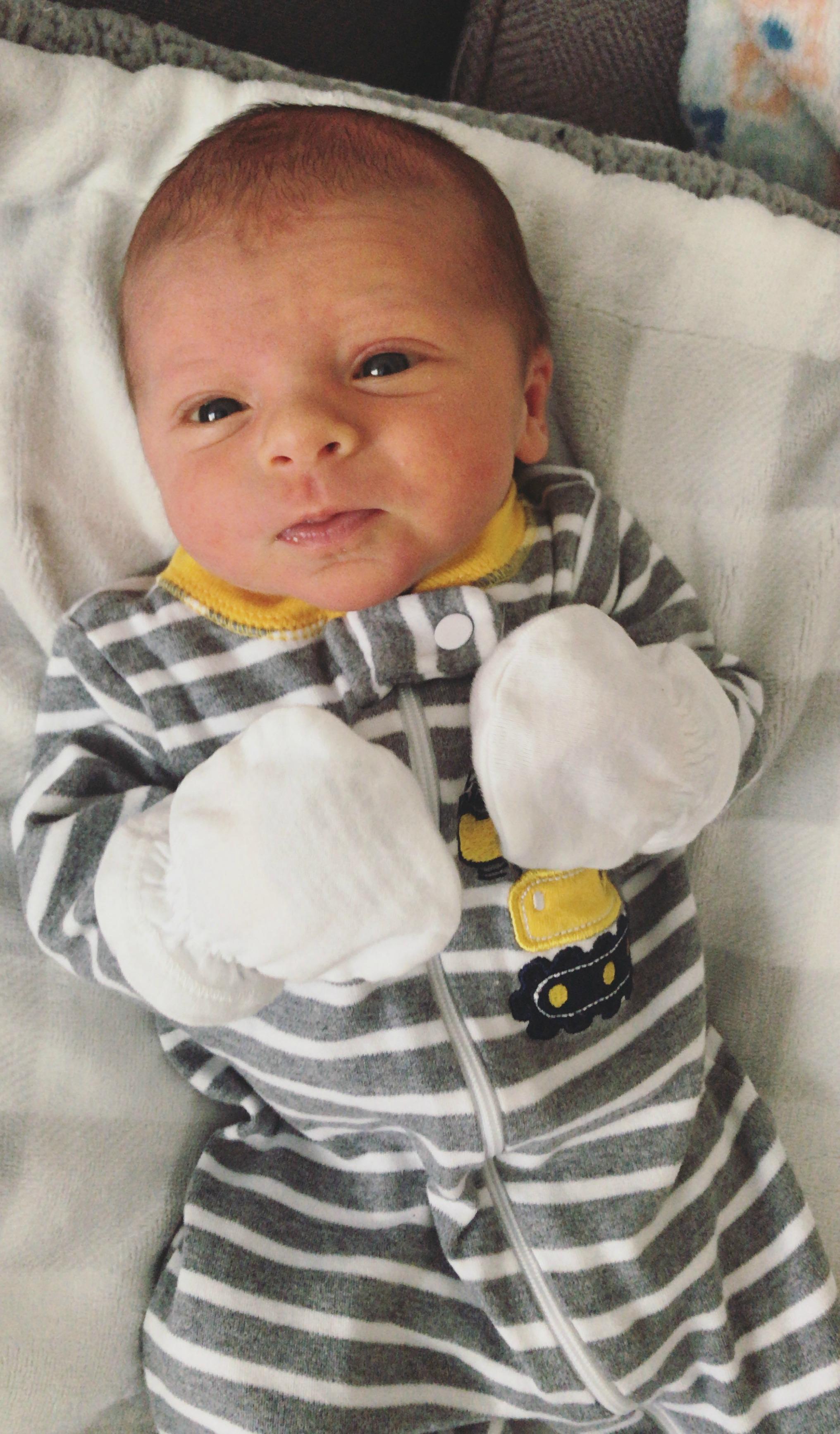 skyler one week old