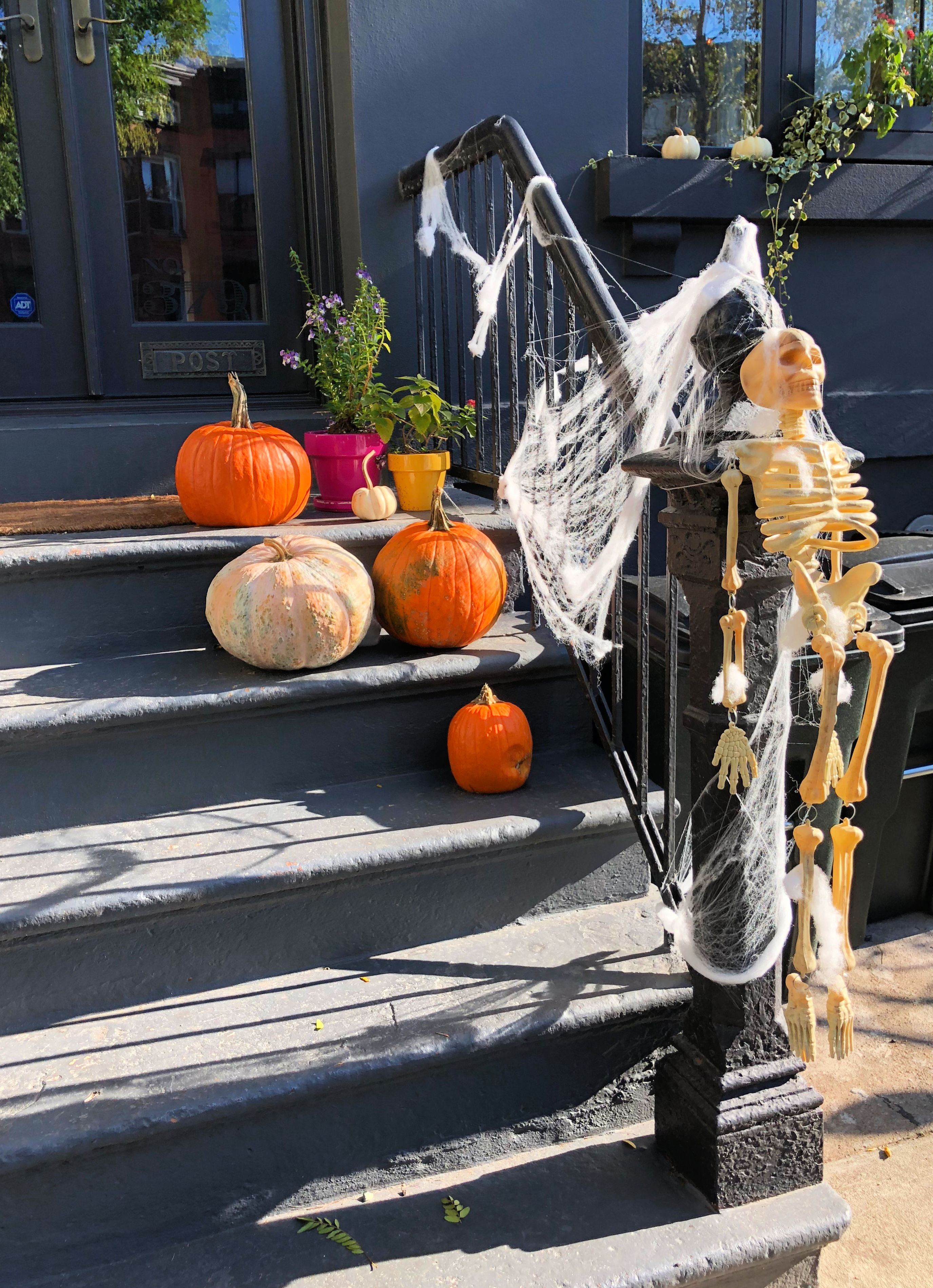 halloween stoop park slope