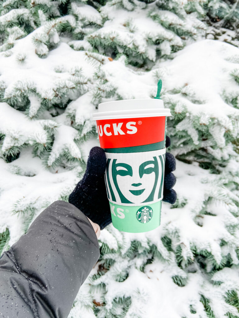 Starbuck Holiday in the snow
