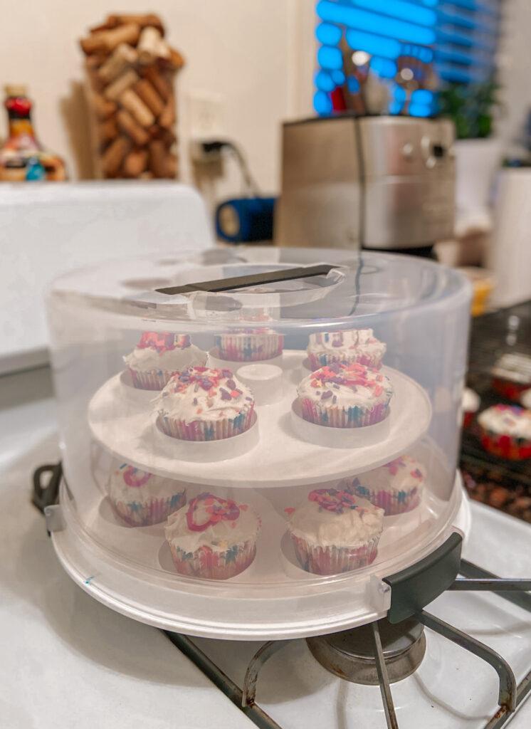 cupcake and cake holder